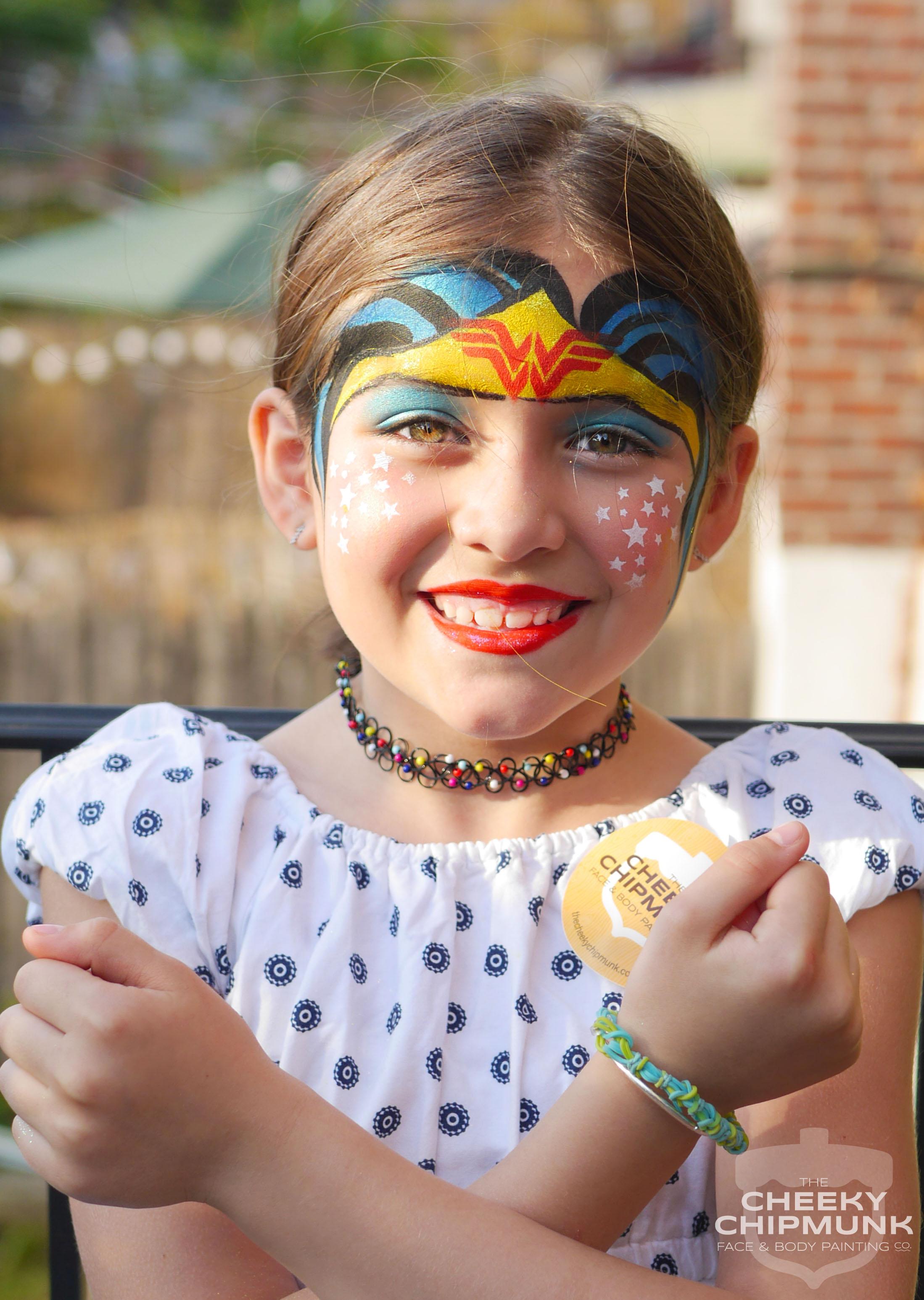 WonderWoman_facepainting_facepaint_lenorekoppelman_thecheekychipmunk_frankie_birthday_party.jpg