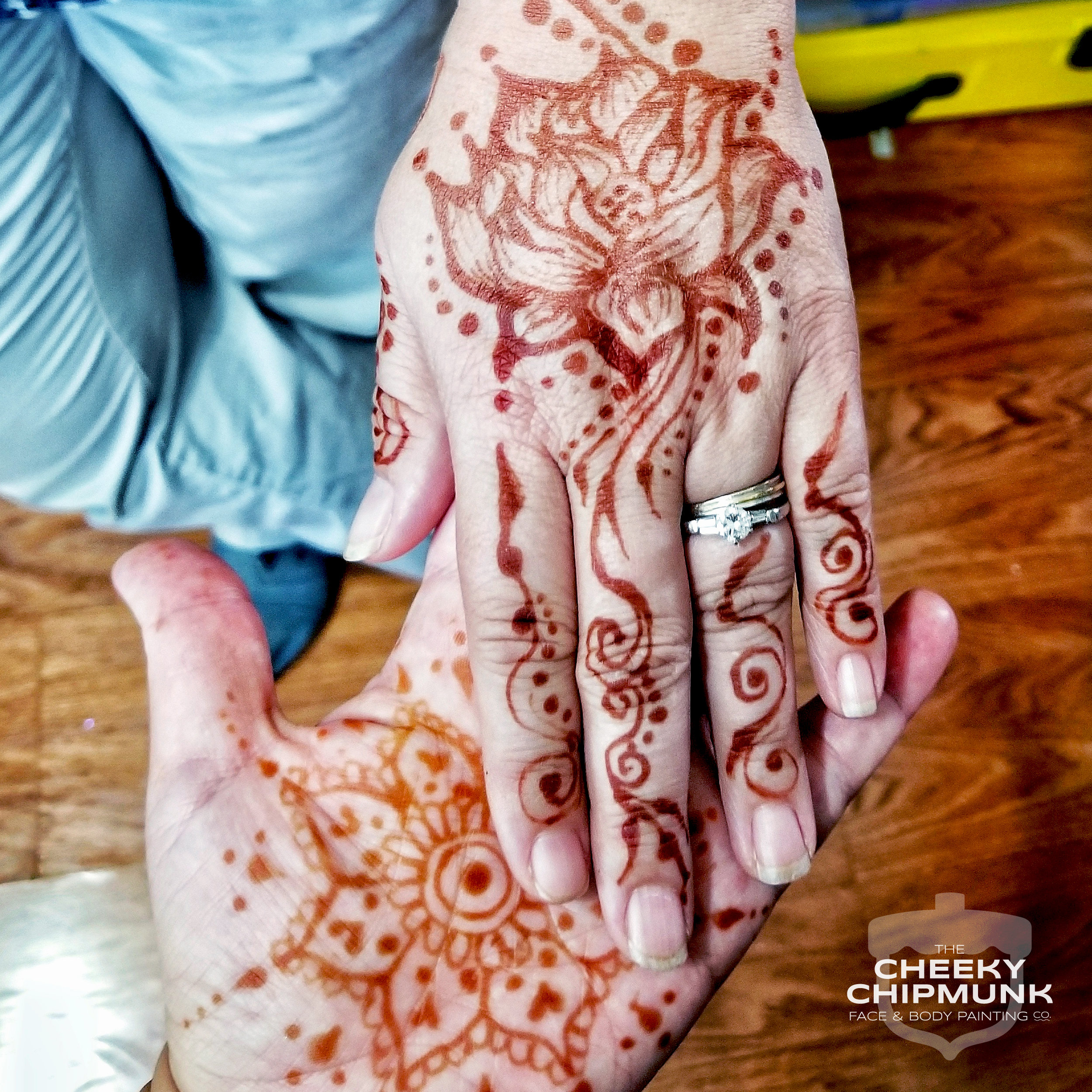 lenore-koppelman-the-cheeky-chipmunk-henna-lotus-holding-hands-organic-natural-red-brown-henna-art-diamond-wedding-ring-body-art-mehndi