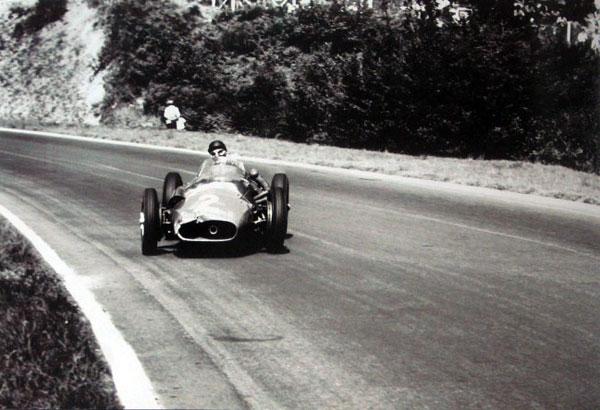 Fangio 2.jpeg