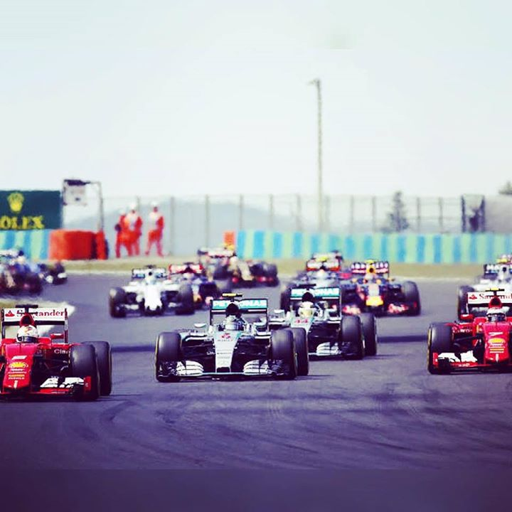 Crazy Hungarian Grand Prix. Track action at the start.