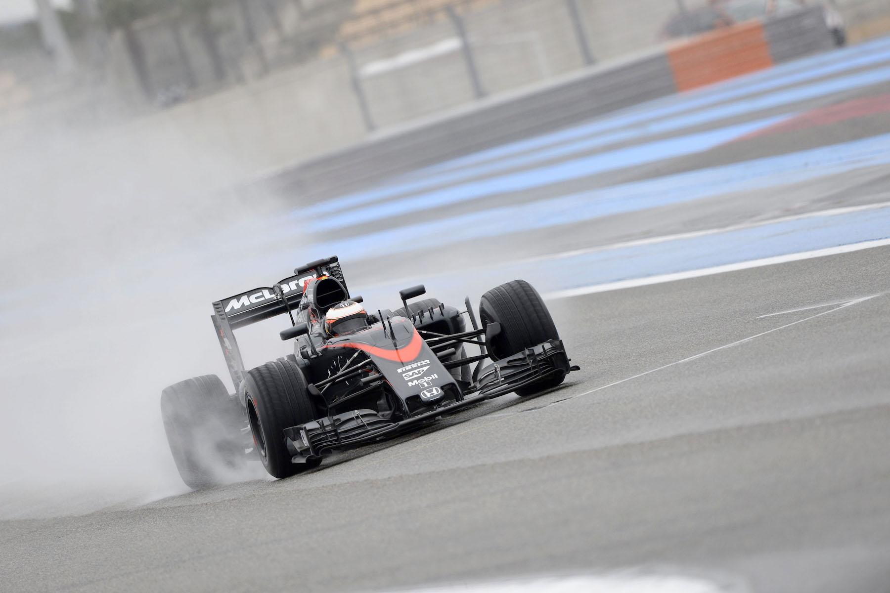 Stoffel Vandoorne during Pirelli's wet tire tests in France