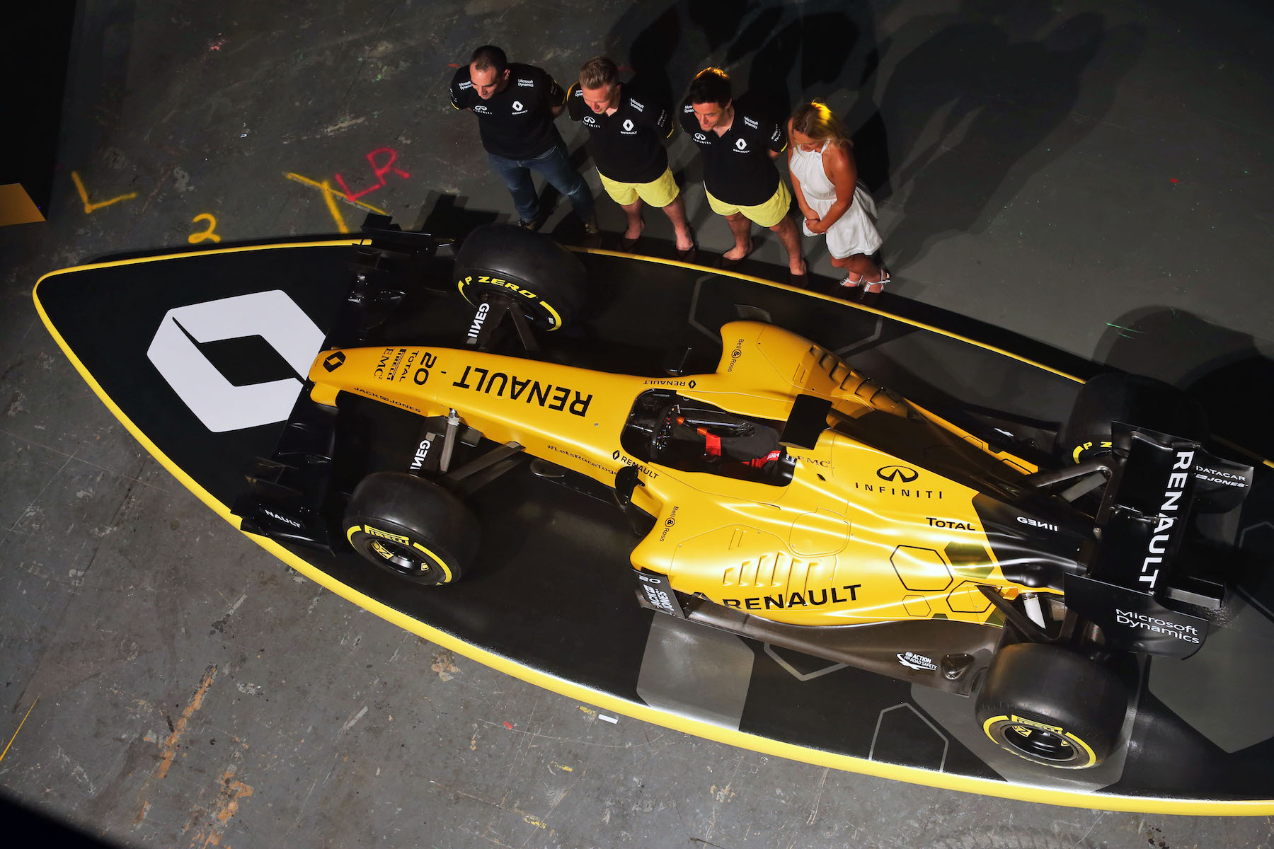 Renault R.S.16 over its surfboard