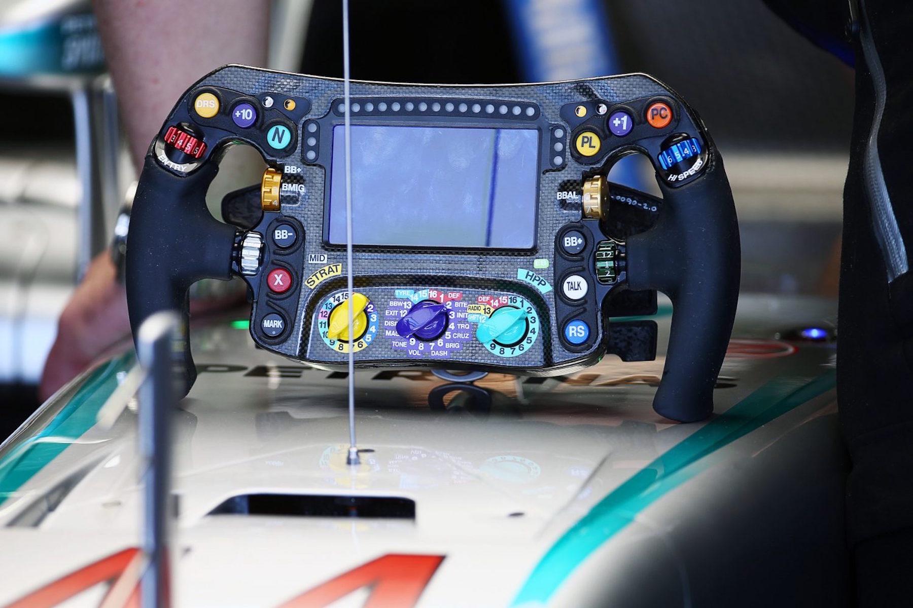 2 HAM W07 Steering wheel Sochi copy.jpeg