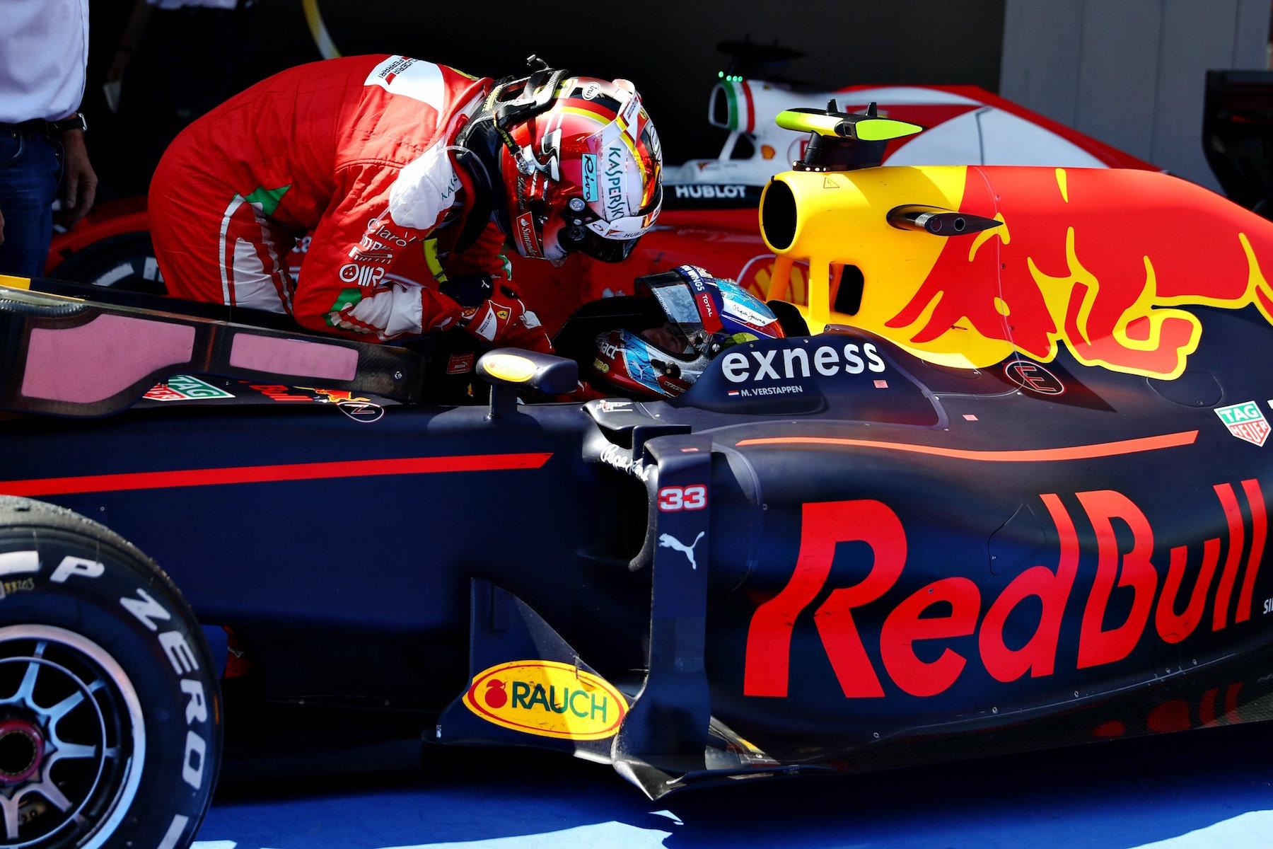 Salracing   Sebastian Vettel congratulating Max Verstappen