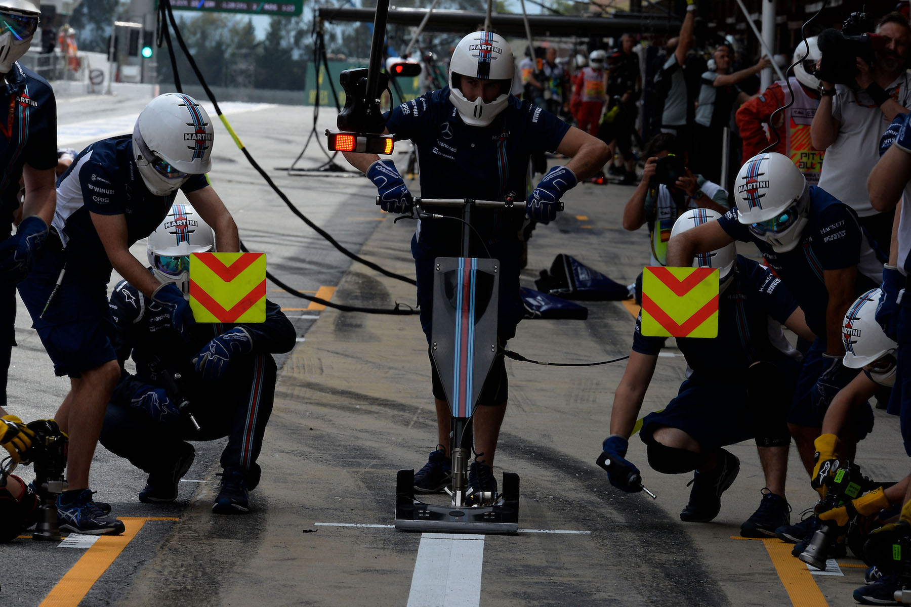 Salracing   Williams F1 Team Mechanics