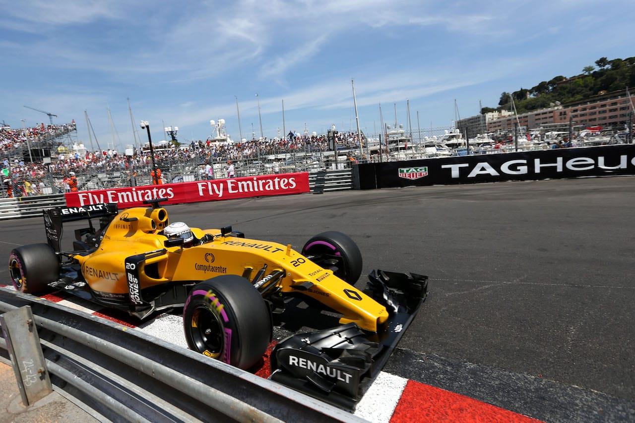 Salracing - Kevin Magnussen   Renault