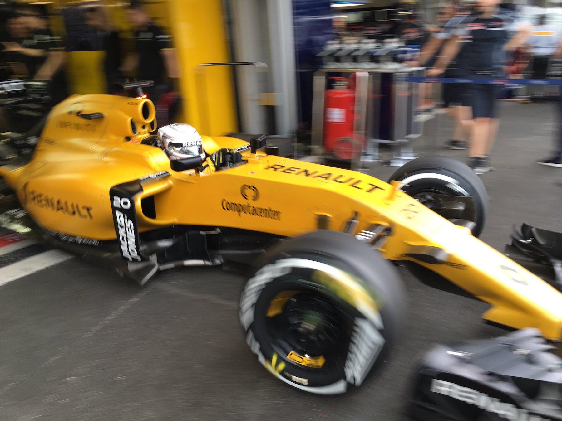 Salracing | Kevin Magnussen | Renault