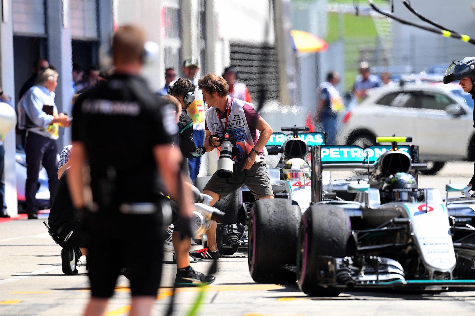 Salracing - Mercedes AMG Petronas