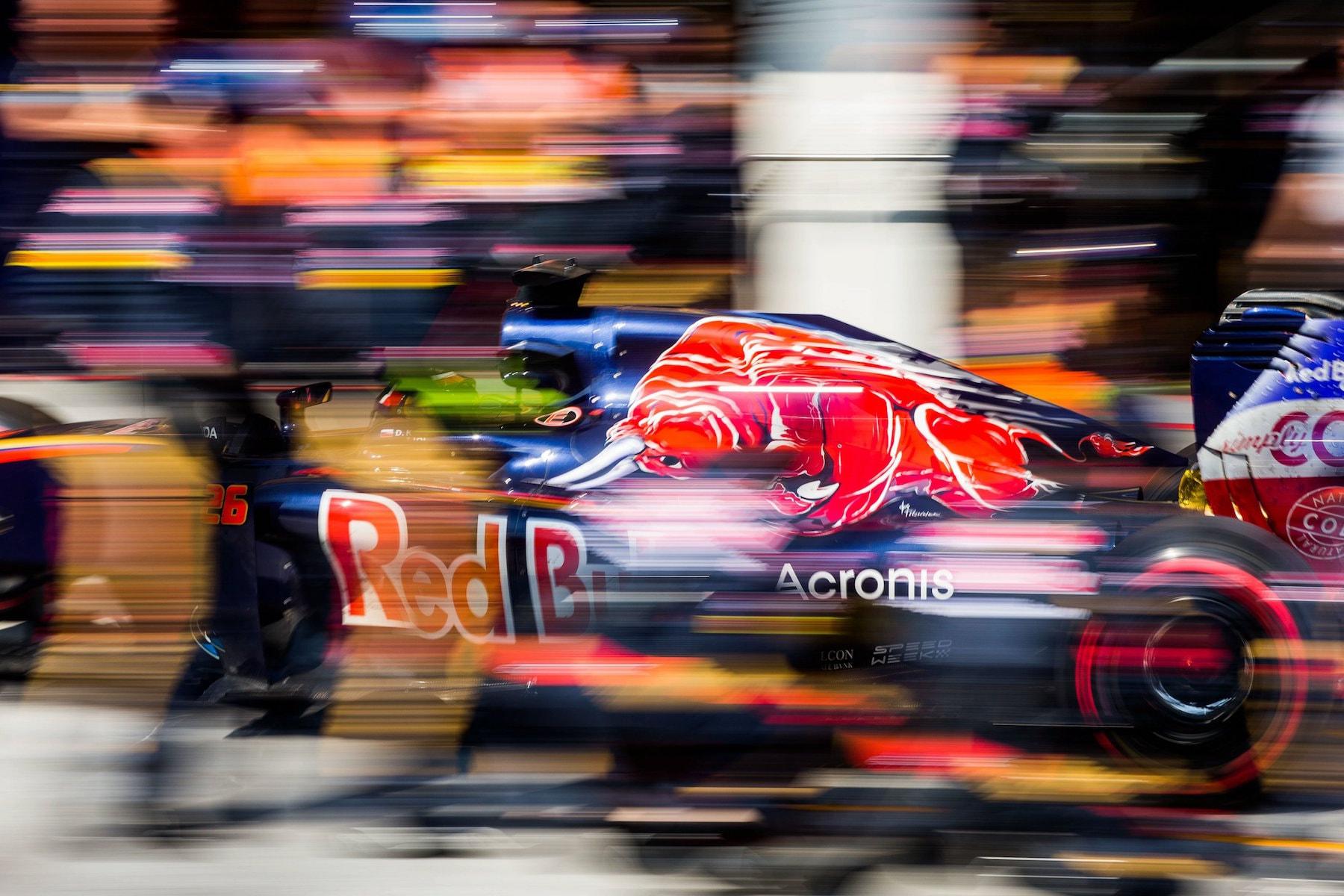 Salracing | Daniil Kvyat | Scuderia Toro Rosso