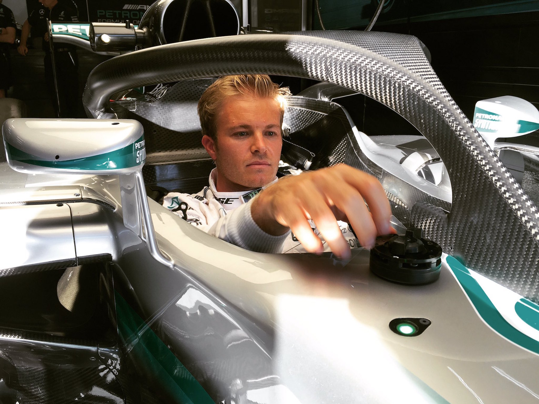 Salracing - Nico Rosberg's Mercedes with halo