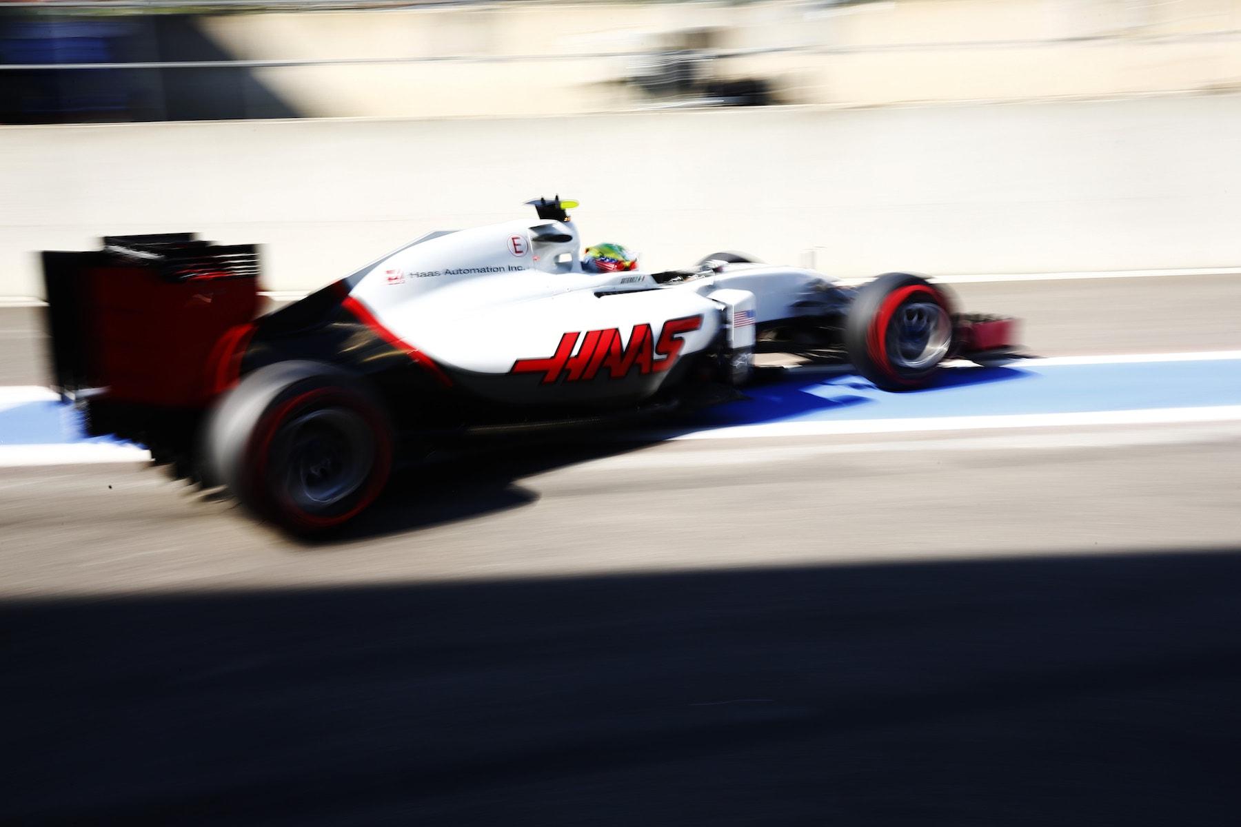 Salracing - Esteban Gutierrez | Haas F1 VF16