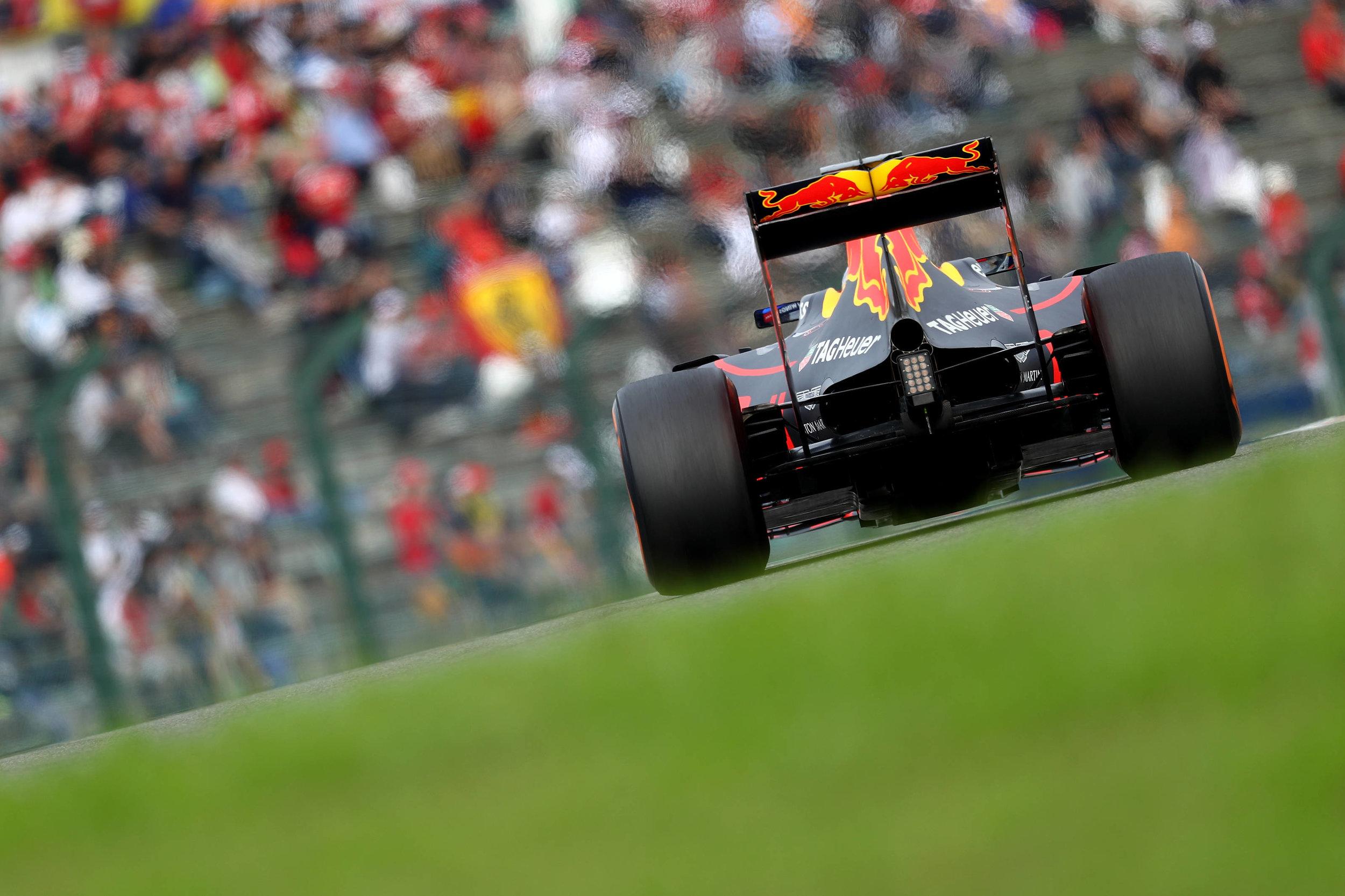 2016 Daniel Ricciardo | Red Bull RB12 | 2016 JapaneseGP P6 1.jpg