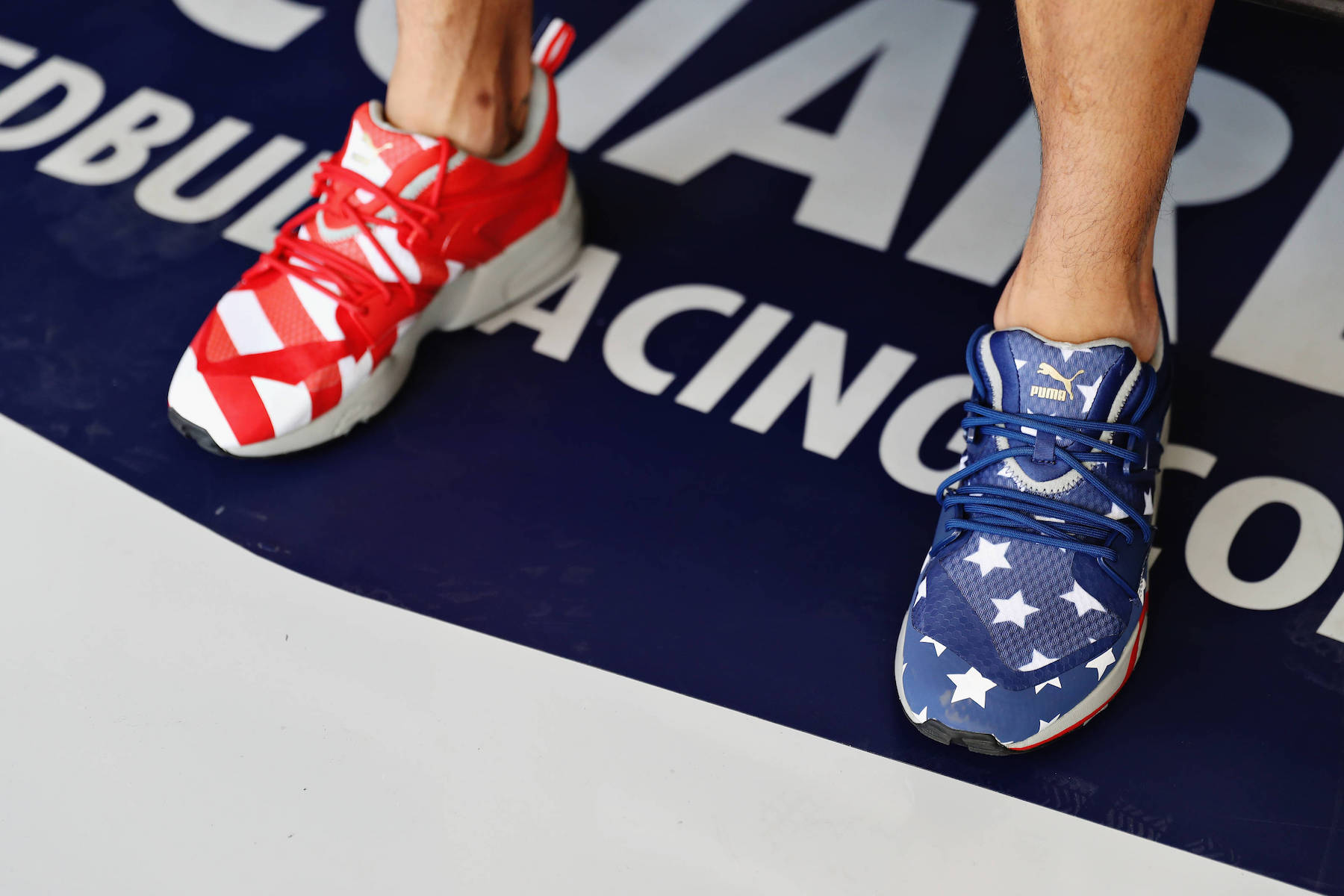 2016 Daniel Ricciardo shoes | 2016 USGP copy.jpg