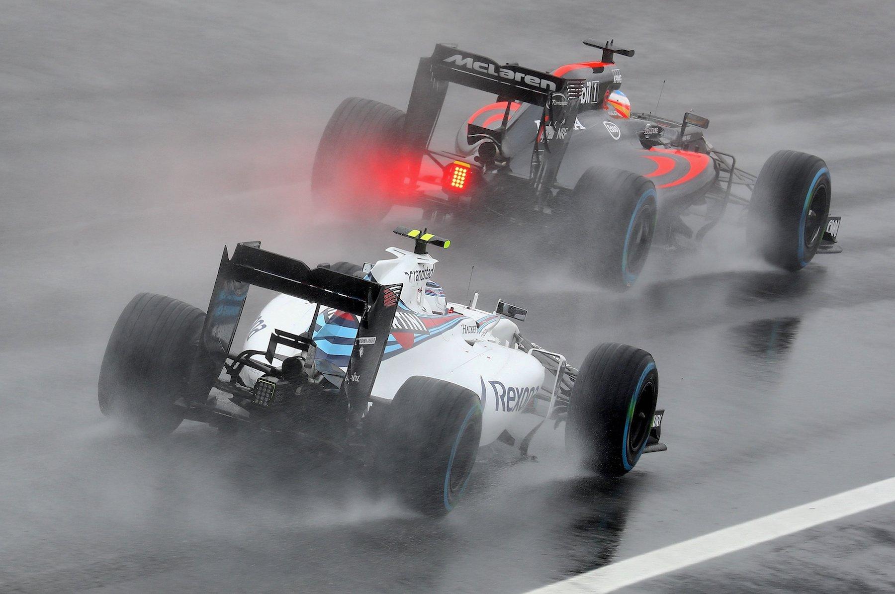 Salracing - Massa chasing Alonso