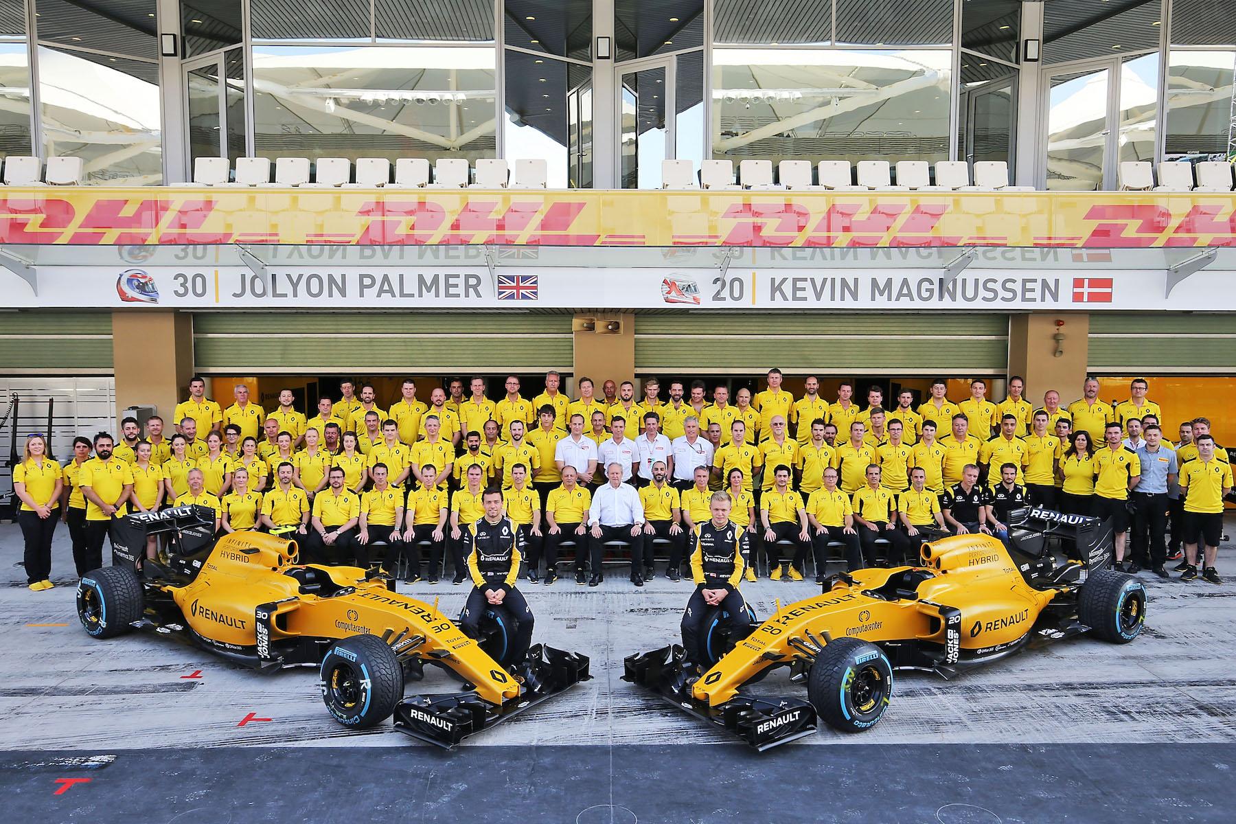 Salracing - Renault Sport F1 family photo