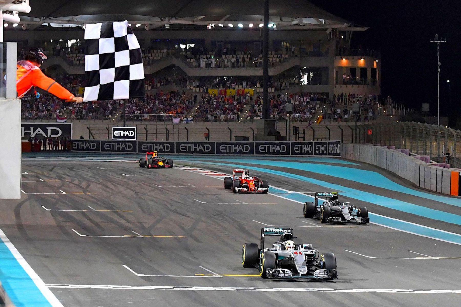 Salracing - Lewis Hamilton winning Abu Dhabi