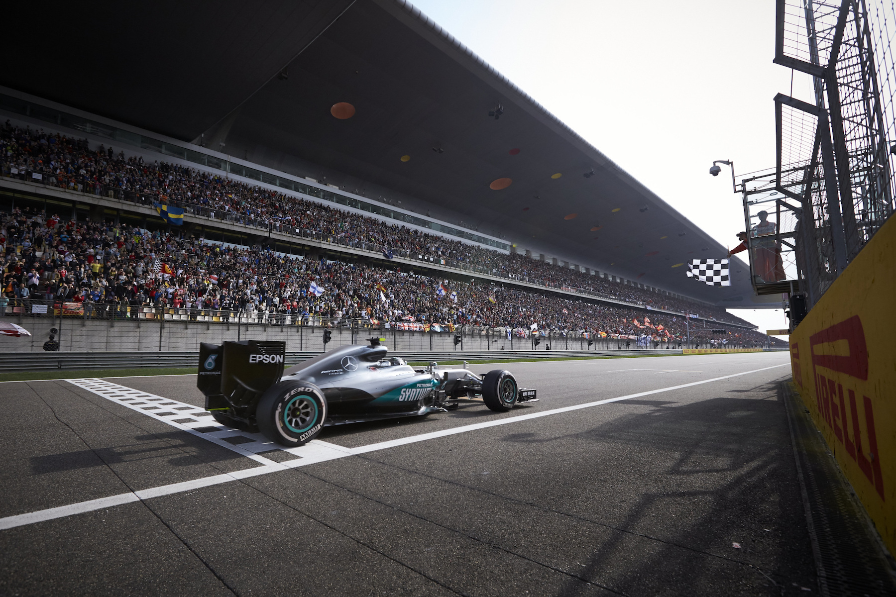 🇨🇳 Chinese Grand Prix winner: 🇩🇪 Nico Rosberg