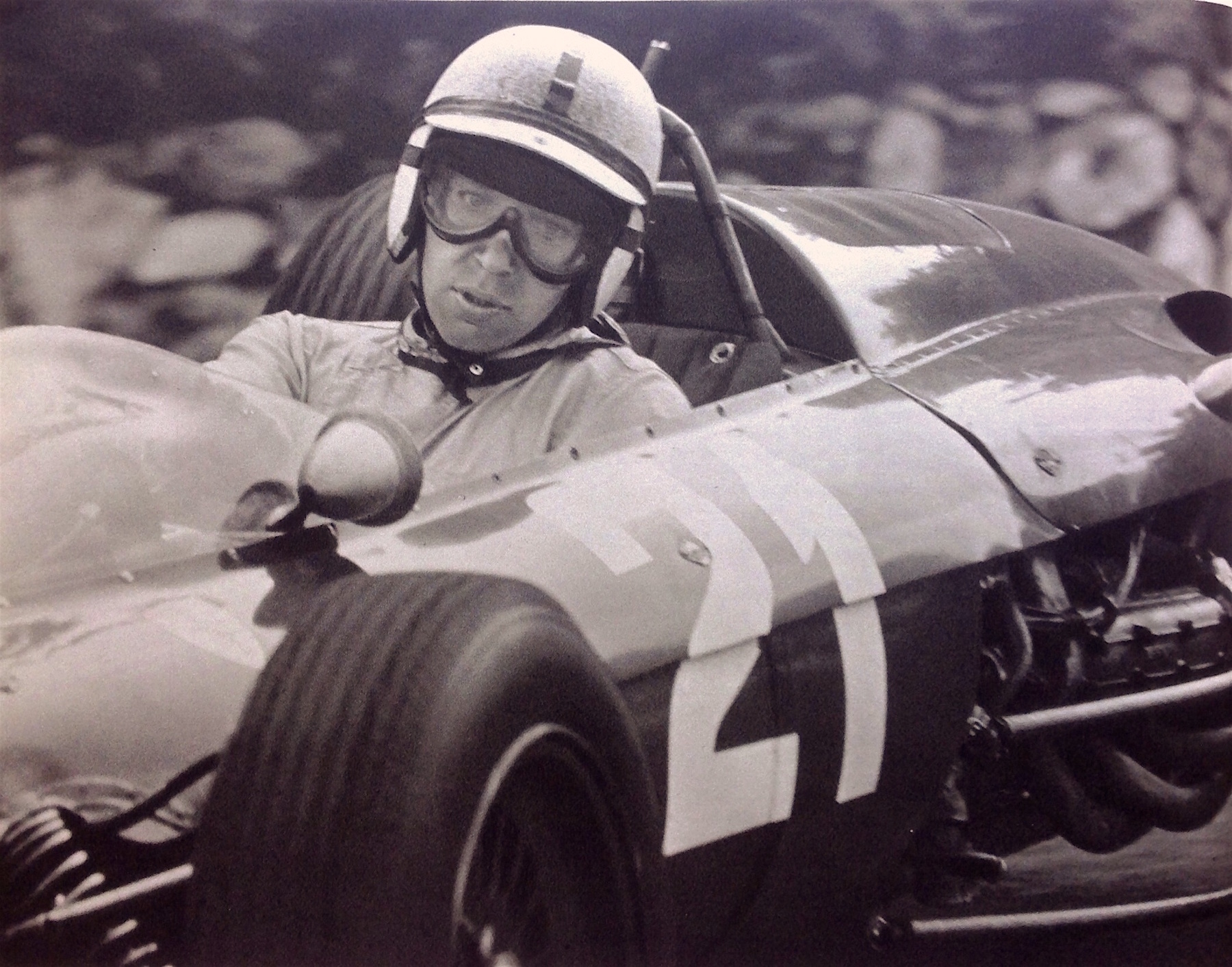 Salracing | John Surtees CBE