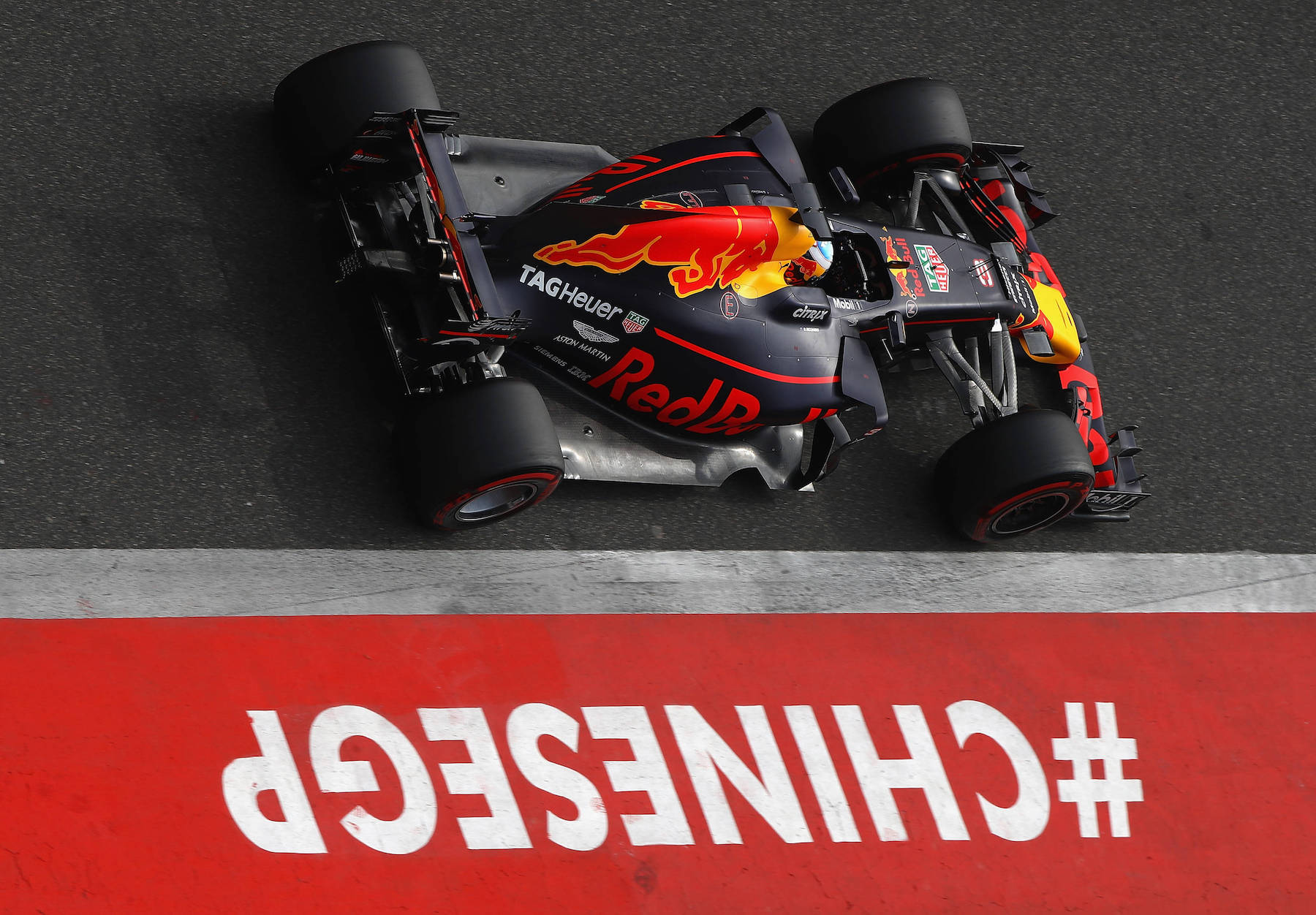 2017 Daniel Ricciardo | Red Bull RB13 | 2017 Chinese GP Q P5 1 copy.jpg
