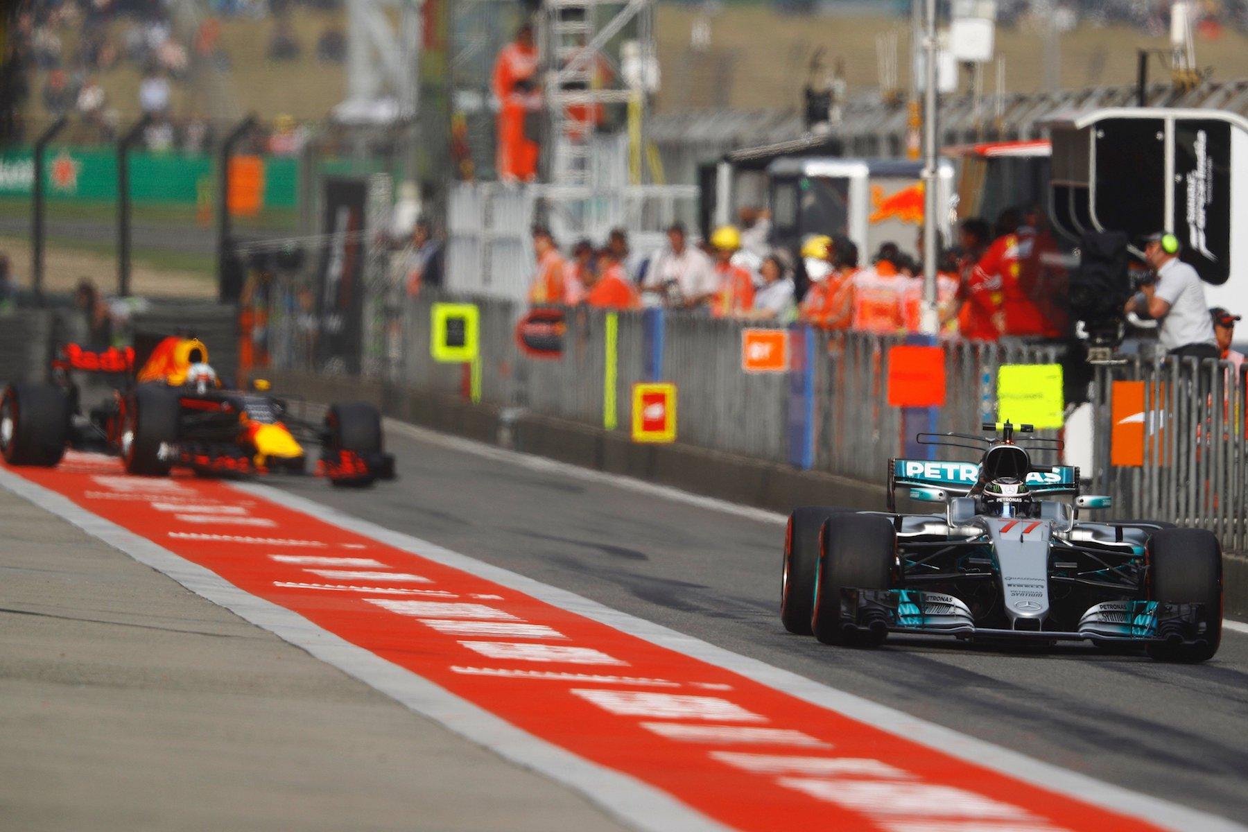 2017 Valtteri Bottas | Mercedes W08 | 2017 Chinese GP Q3 1 copy.jpg