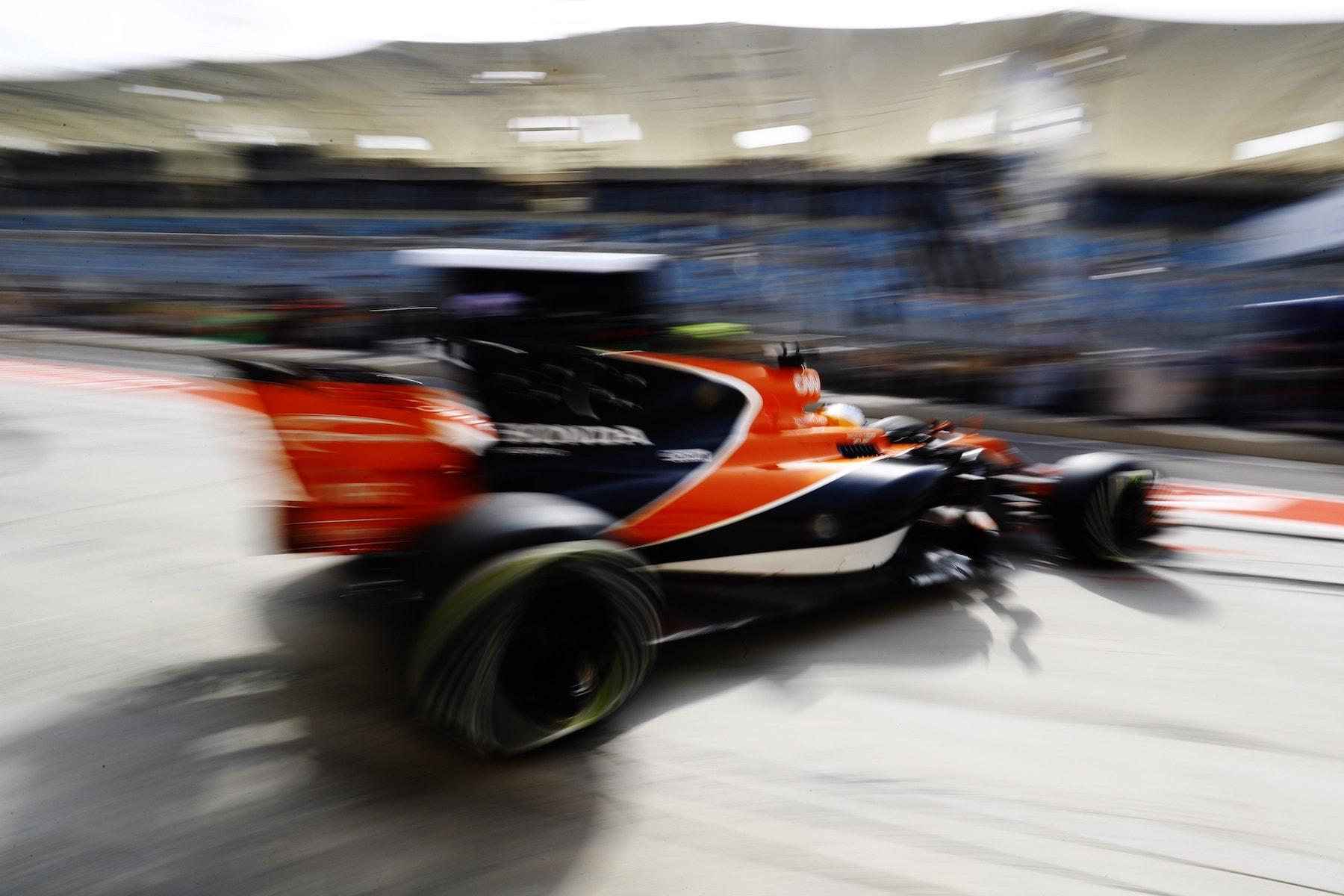 2017 Fernando Alonso   McLaren MCL32   2017 Bahrain GP FP3 2 copy.jpg