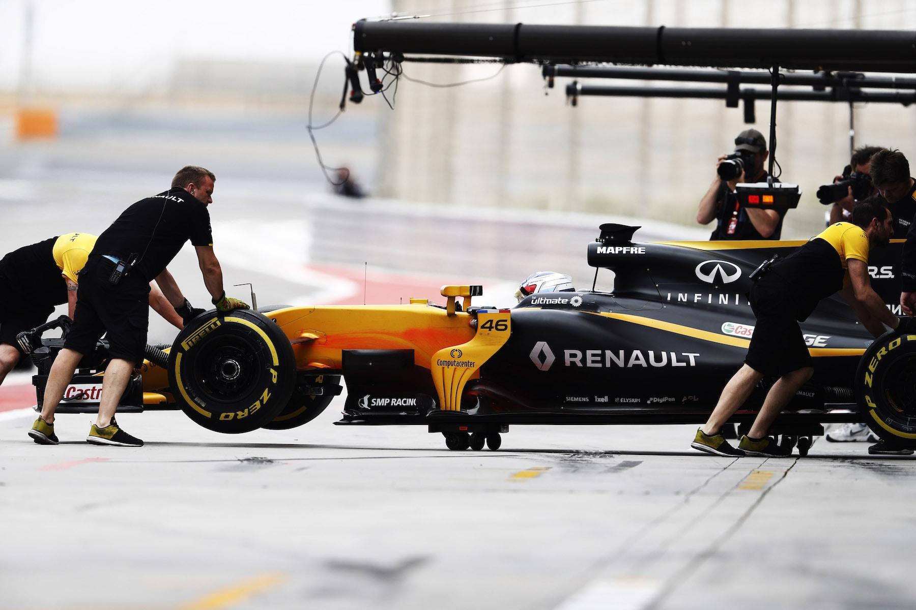 2017 Sergey Sirotkin | Renault RS17 | 2017 Bahrain Test 1 copy.jpg