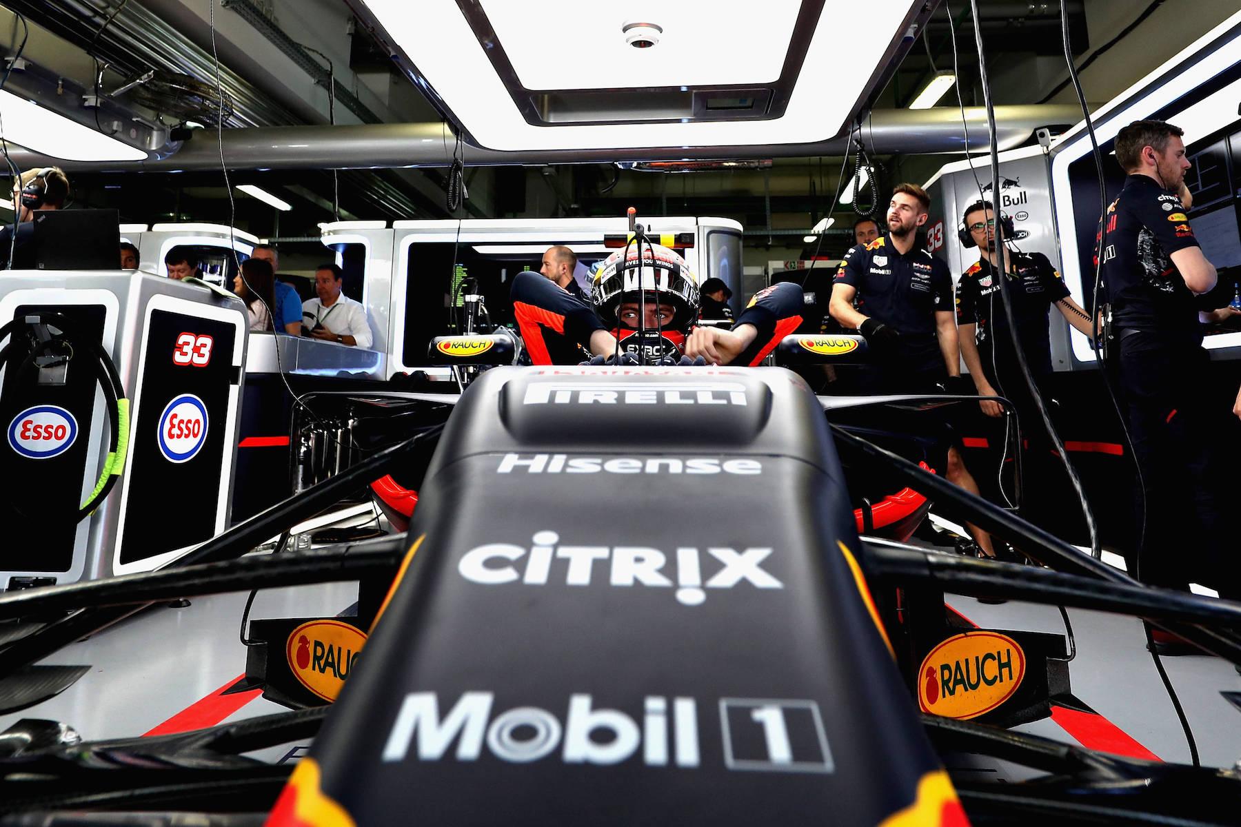 2017 Max Verstappen | Red Bull RB13 | 2017 Russian GP Q1 1 copy.jpg