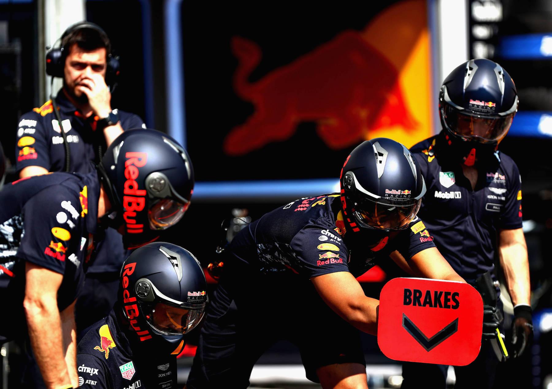 2017 Red Bull mechanics Pit stop practice copy.jpg