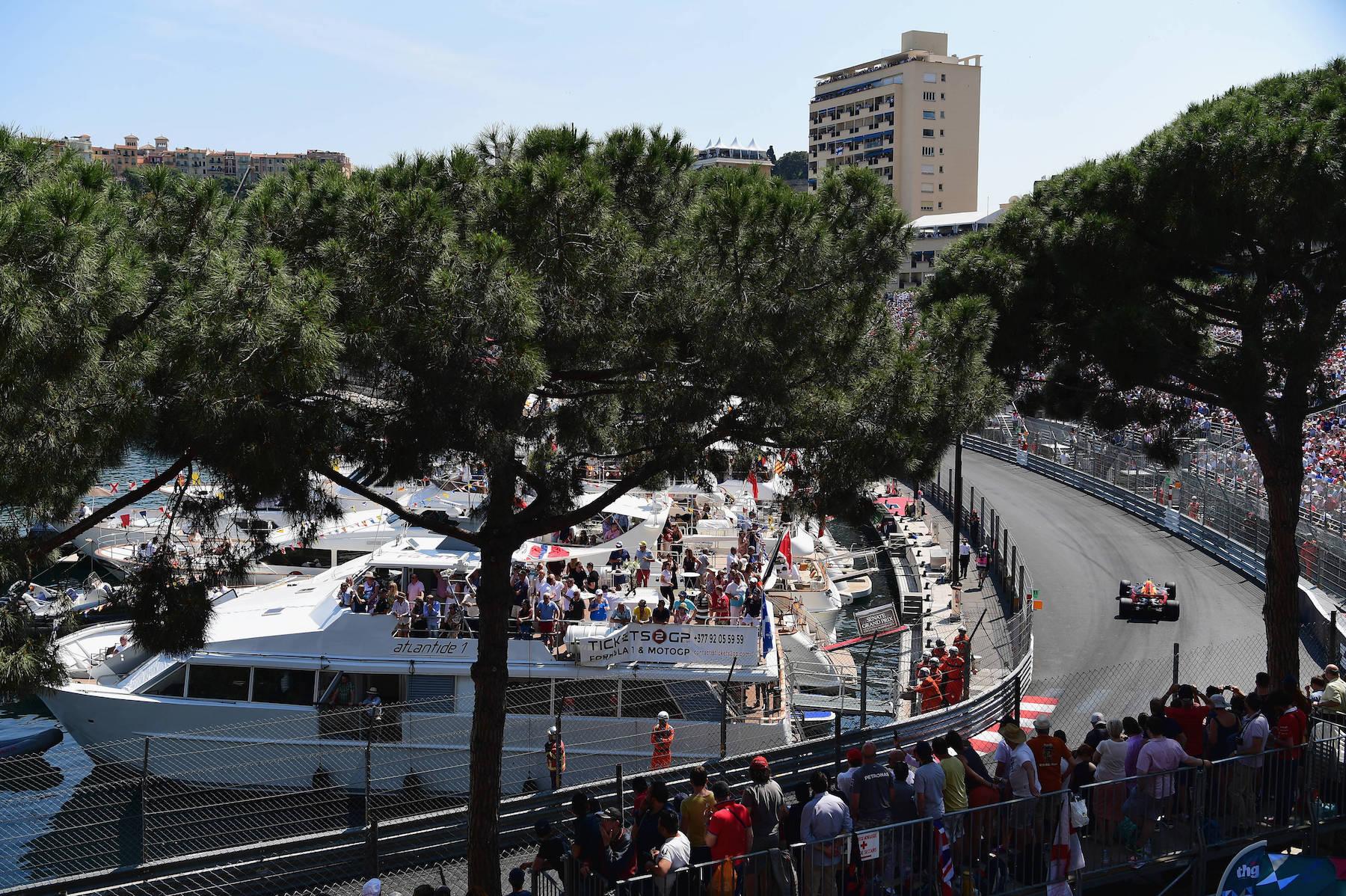 J 2017 Daniel Ricciardo | Red Bull RB13 | 2017 Monaco GP P3 3 copy.jpg