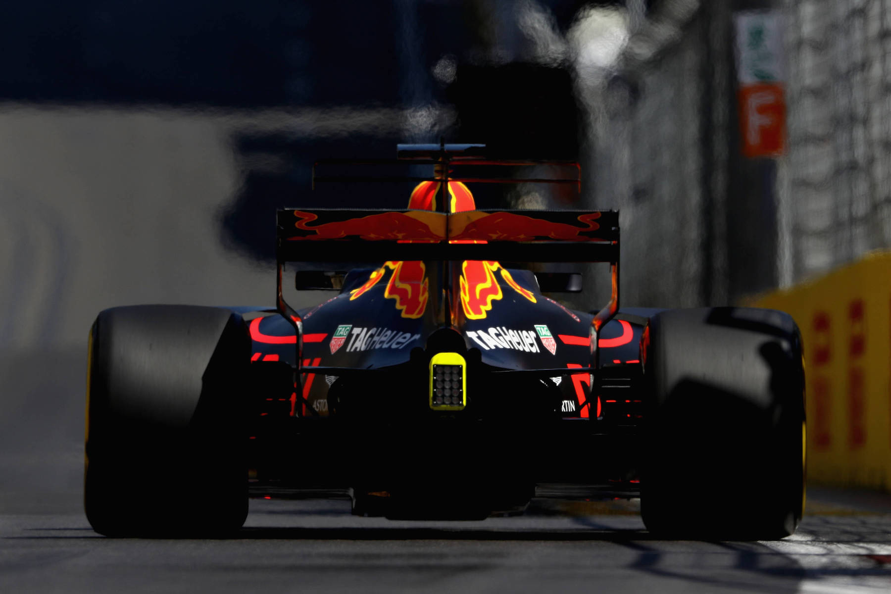 2017 Daniel Ricciardo | Red Bull RB13 | 2017 Azerbaijan GP Q3 P10 1 copy.jpg