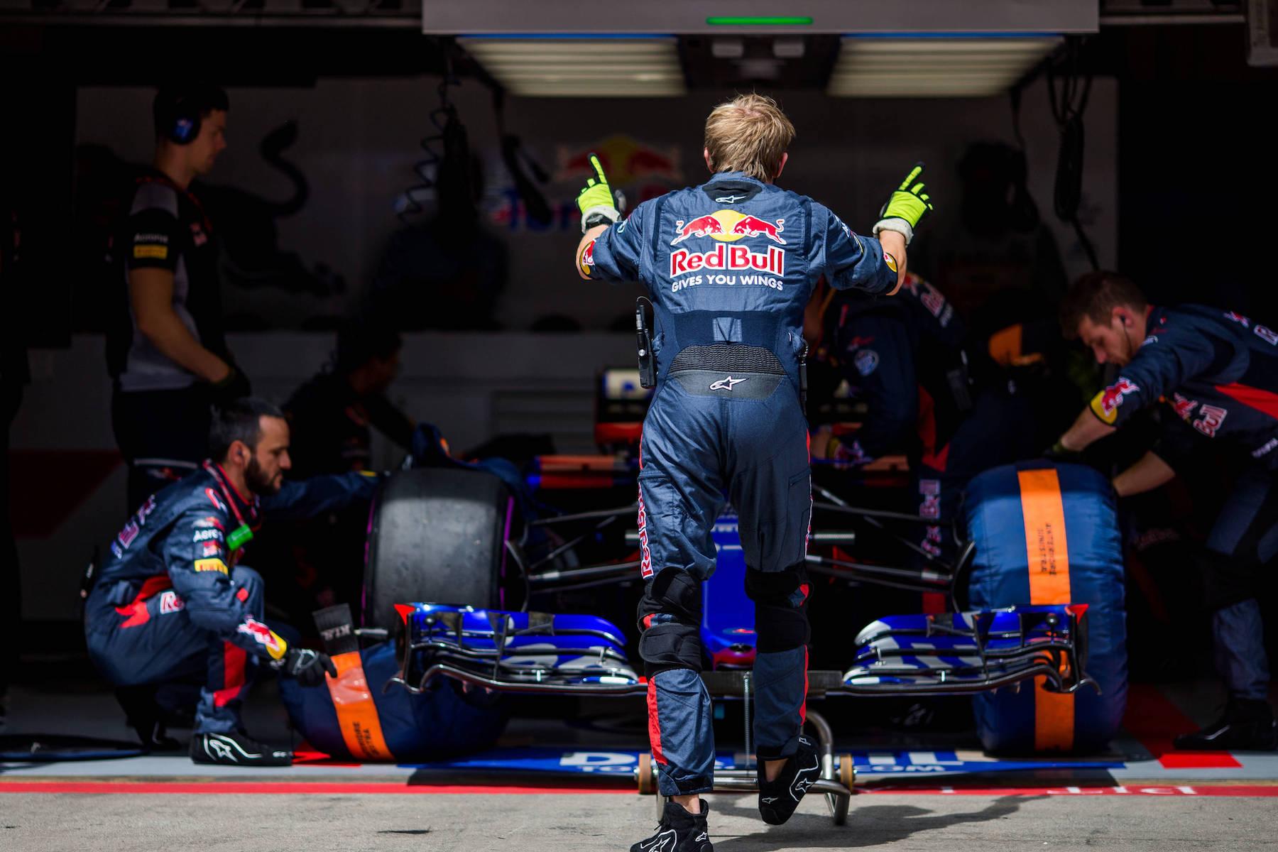 A 2017 Daniil Kvyat | Toro Rosso STR12 | 2017 Austrian GP 2 copy.jpg