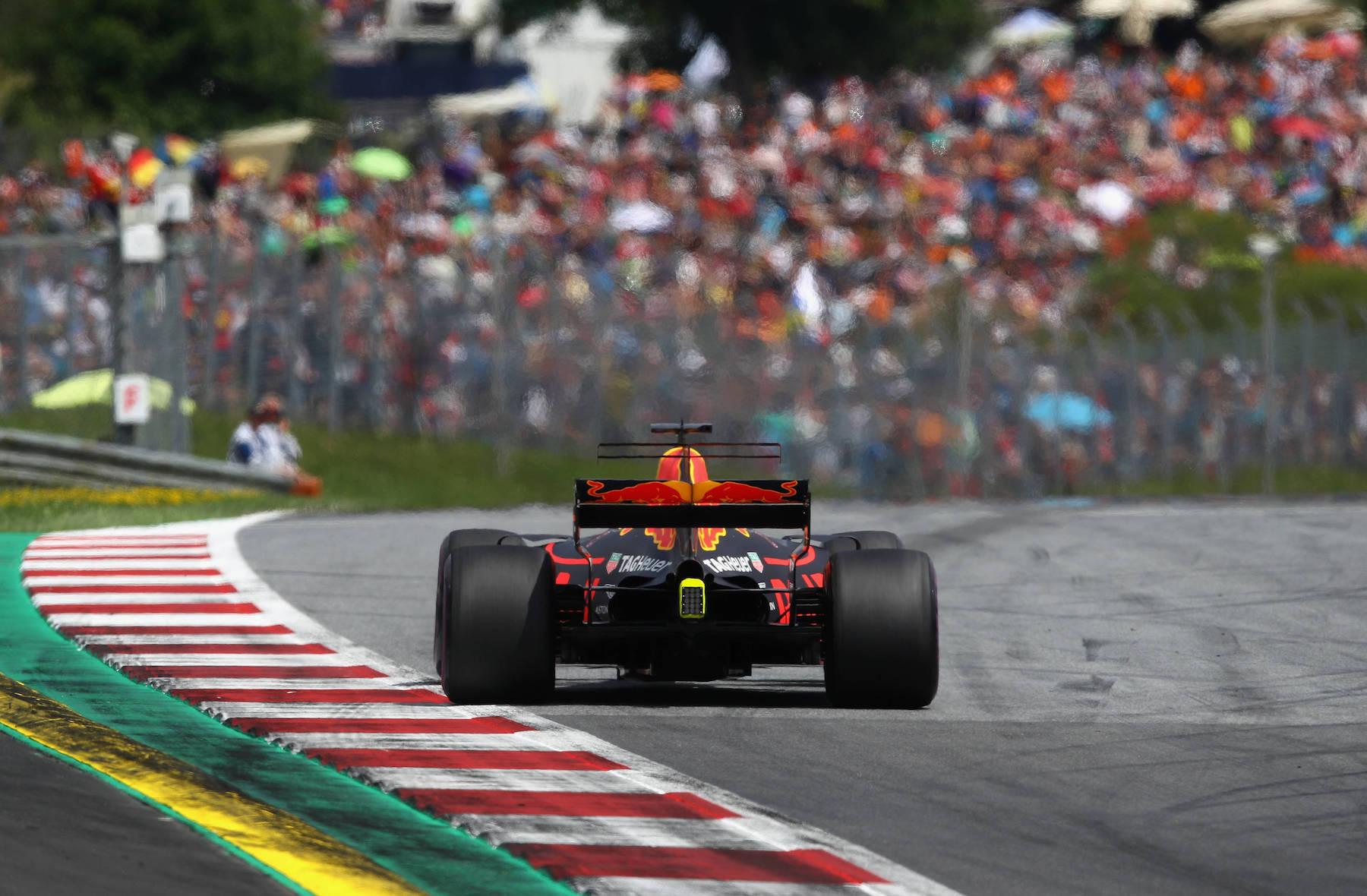 G 2017 Daniel Ricciardo | Red Bull RB13 | 2017 Austrian GP P3 1 copy.jpg
