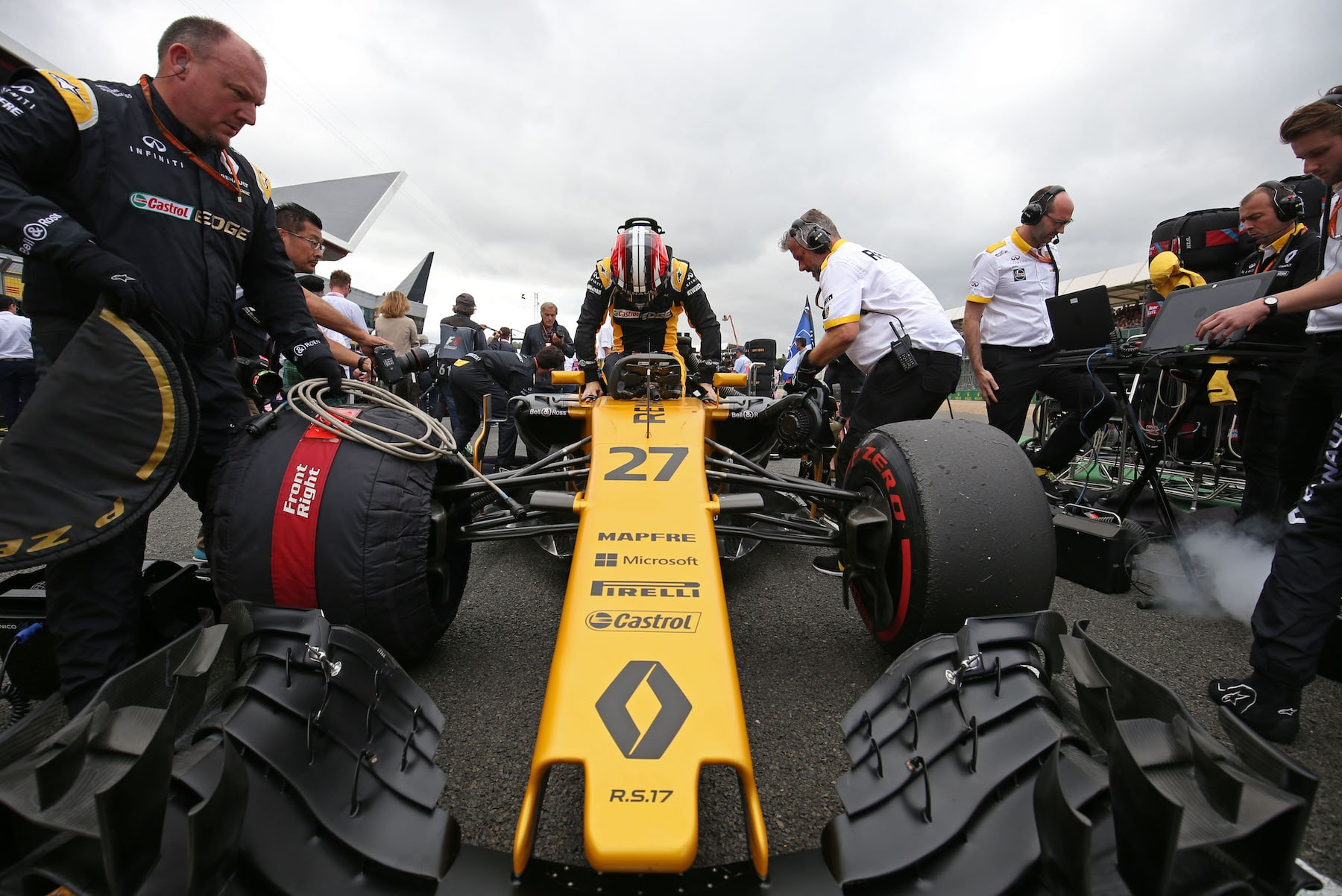 B 2017 Nico Hulkenberg | Renault RS16 | 2017 British GP 2 copy.jpg