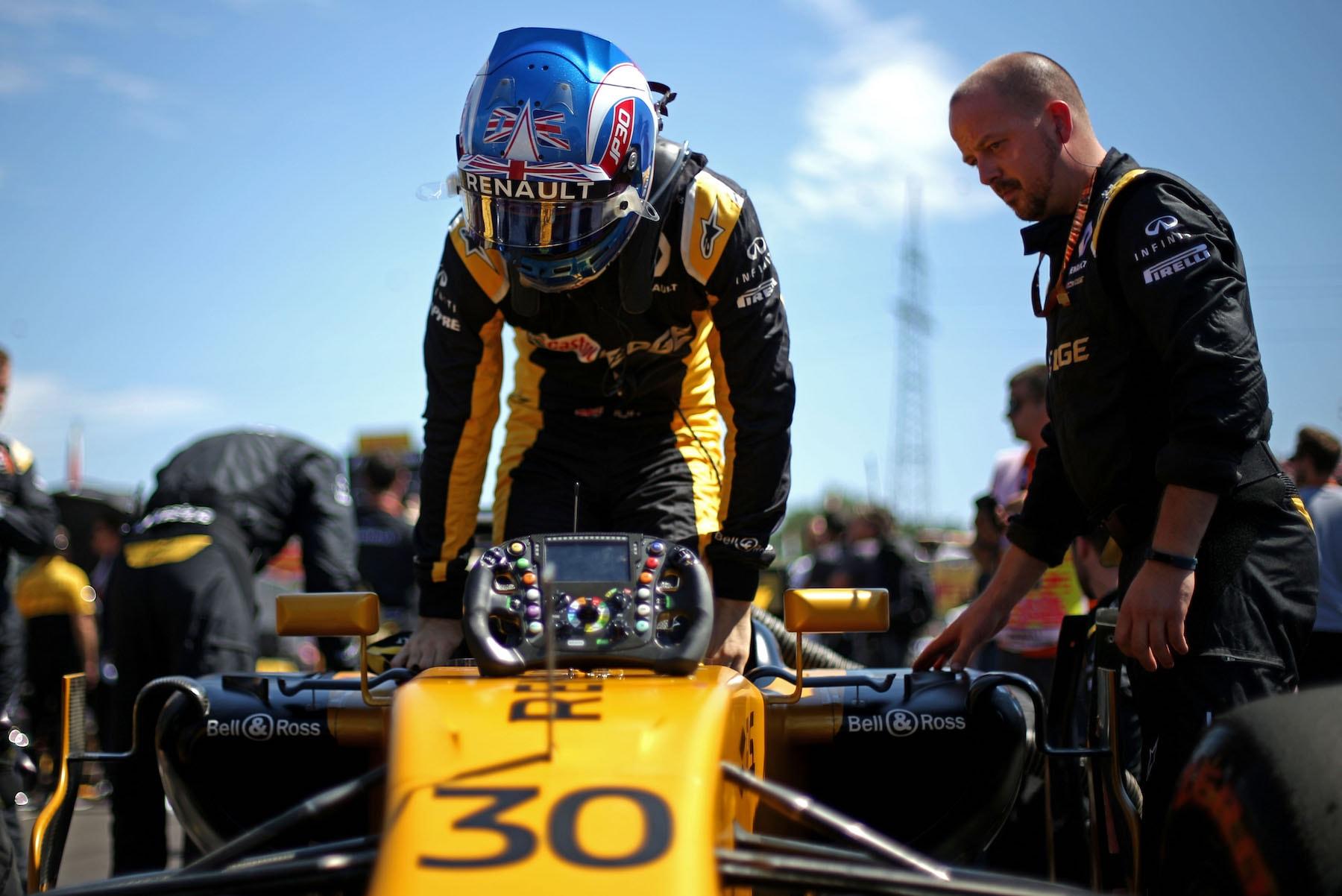 B 2017 Jolyon Palmer | Renault RS17 | 2017 Hungarian GP 1 copy.jpg
