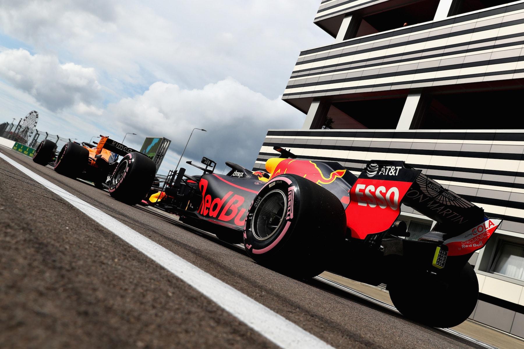 2018 Daniel Ricciardo | Red Bull RB14 | 2018 Russian GP FP1 2 copy.jpg