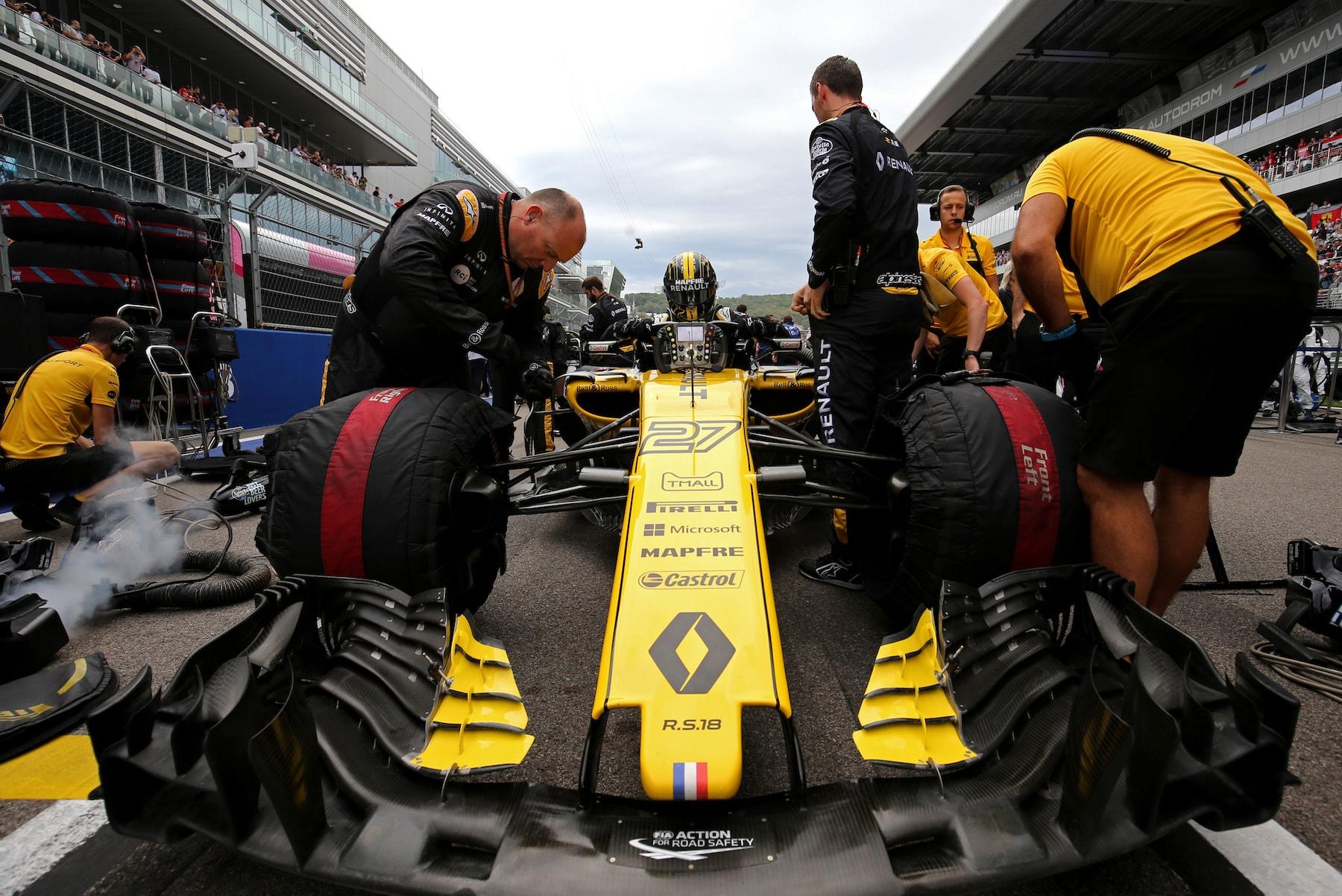 B 2018 Nico Hulkenberg | Renault RS18 | 2018 Russian GP 1 copy.jpg