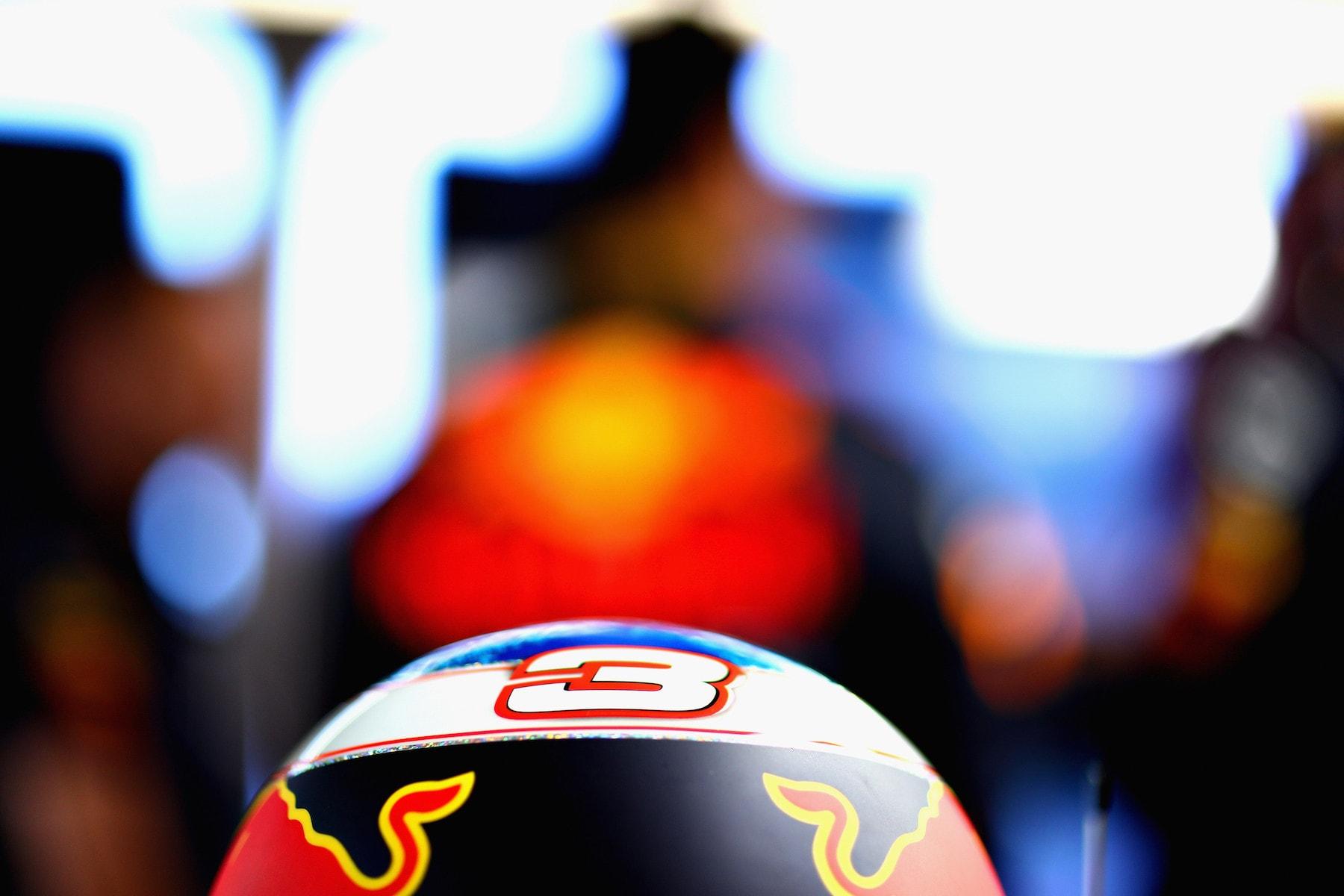 4 2018 Daniel Ricciardo | Red Bull RB14 | 2018 USGP FP2 1 copy.jpg