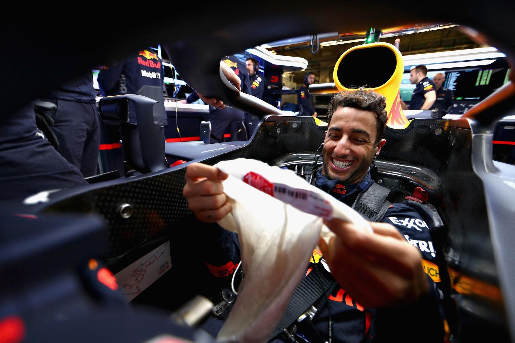 5 2018 Daniel Ricciardo | Red Bull RB14 | 2018 USGP FP2 2 copy.jpg
