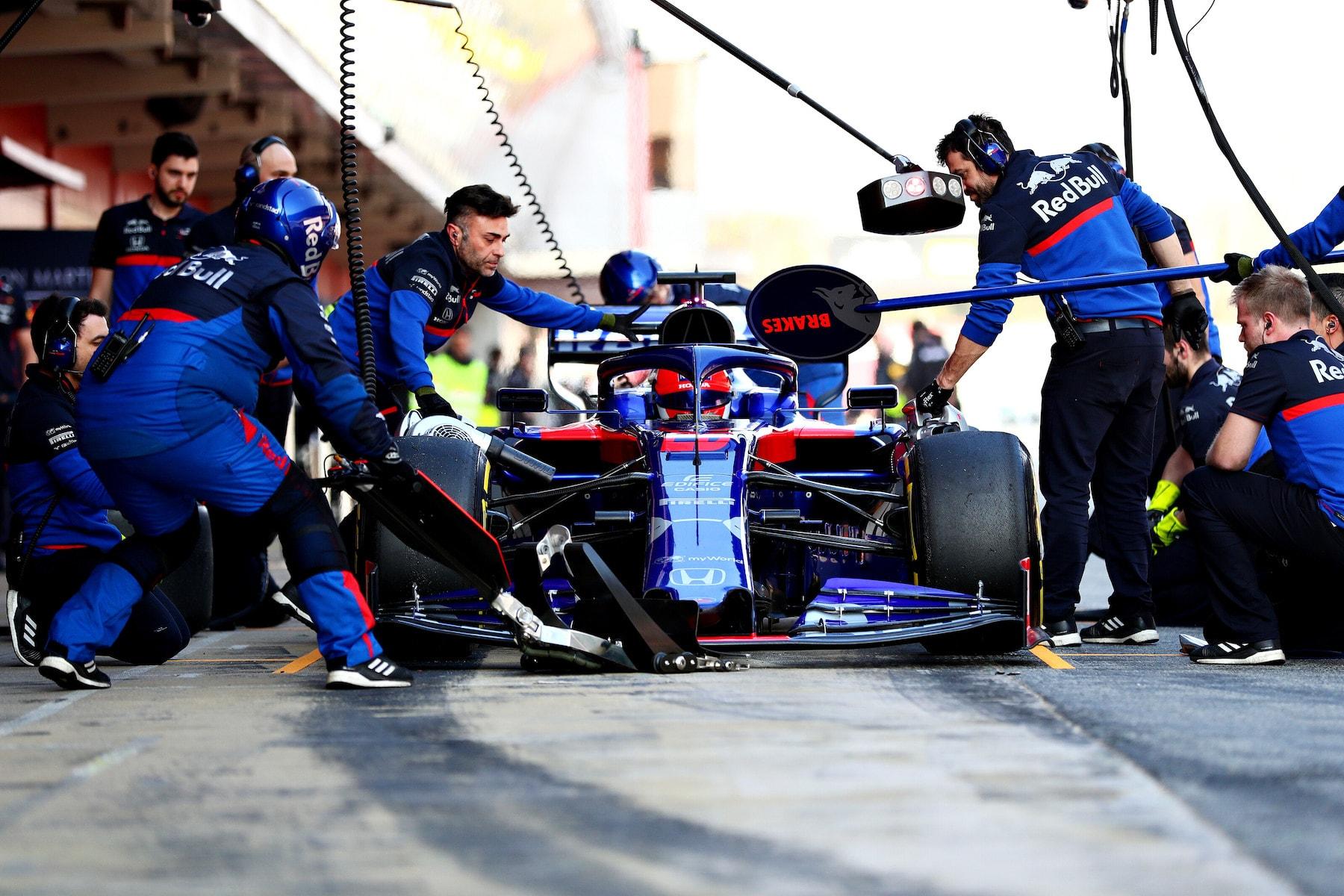2019 Daniil Kvyat | Toro Rosso STR14 | 2019 Barcelona T2 D4 2.jpg