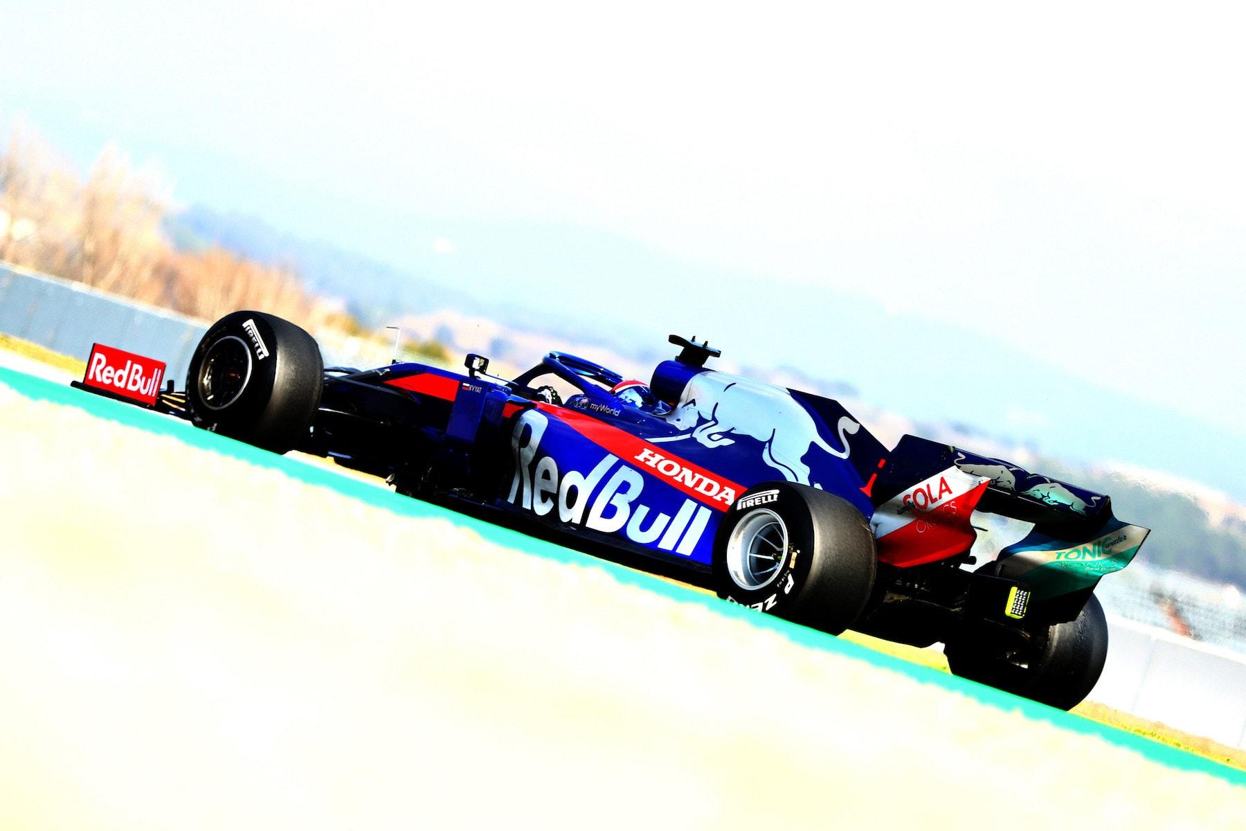 2019 Daniil Kvyat | Toro Rosso STR14 | 2019 Barcelona T2 D4 3.jpg