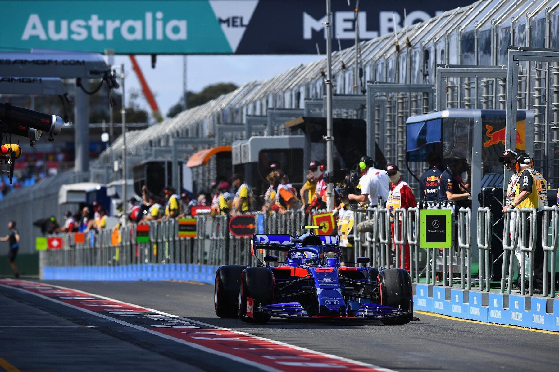B 2019 Alex Albon | Toro Rosso STR14 | 2019 Australian GP FP1 2 copy.jpg