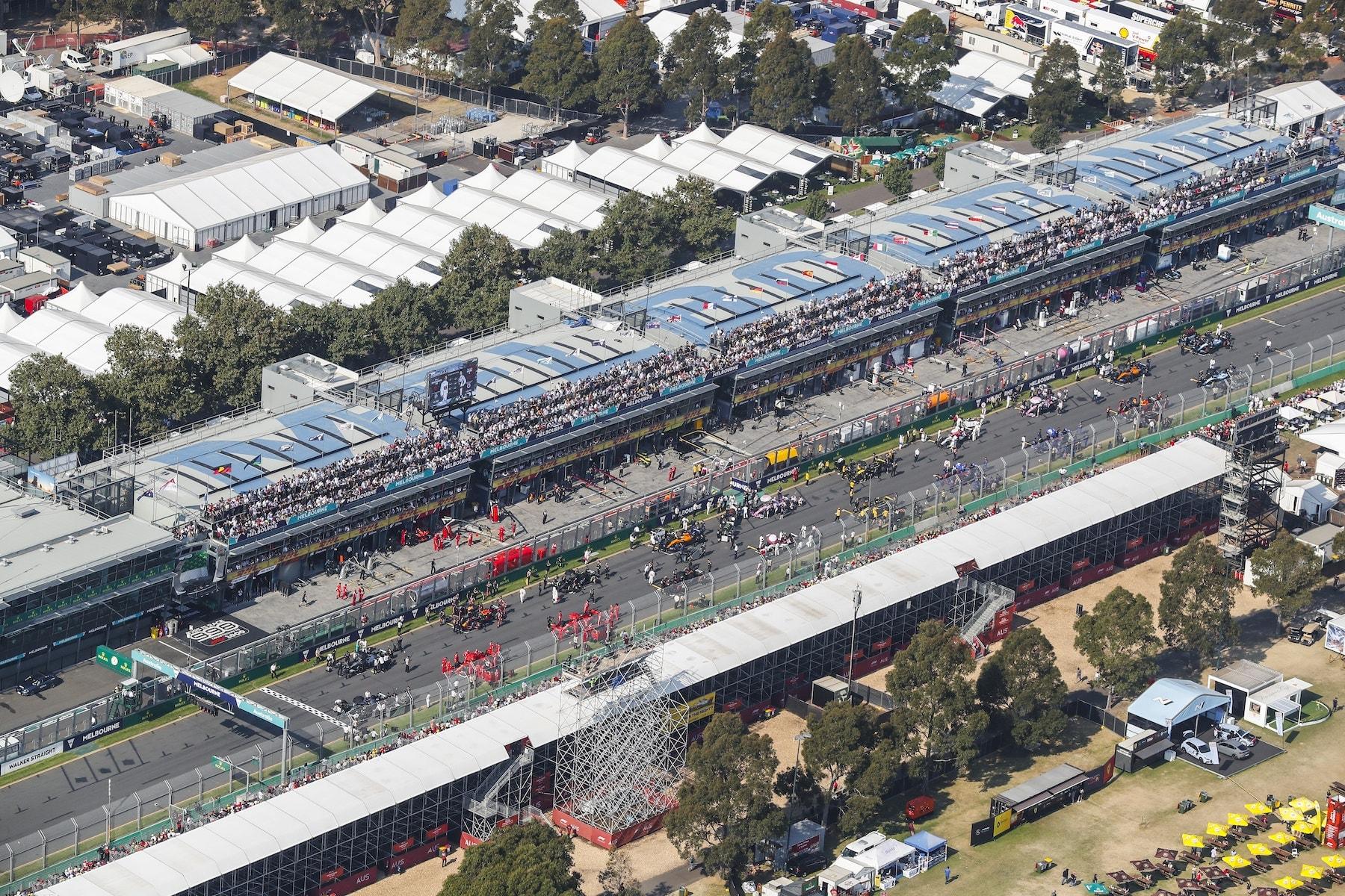 C 2019 Australian GP start 2 copy.jpg