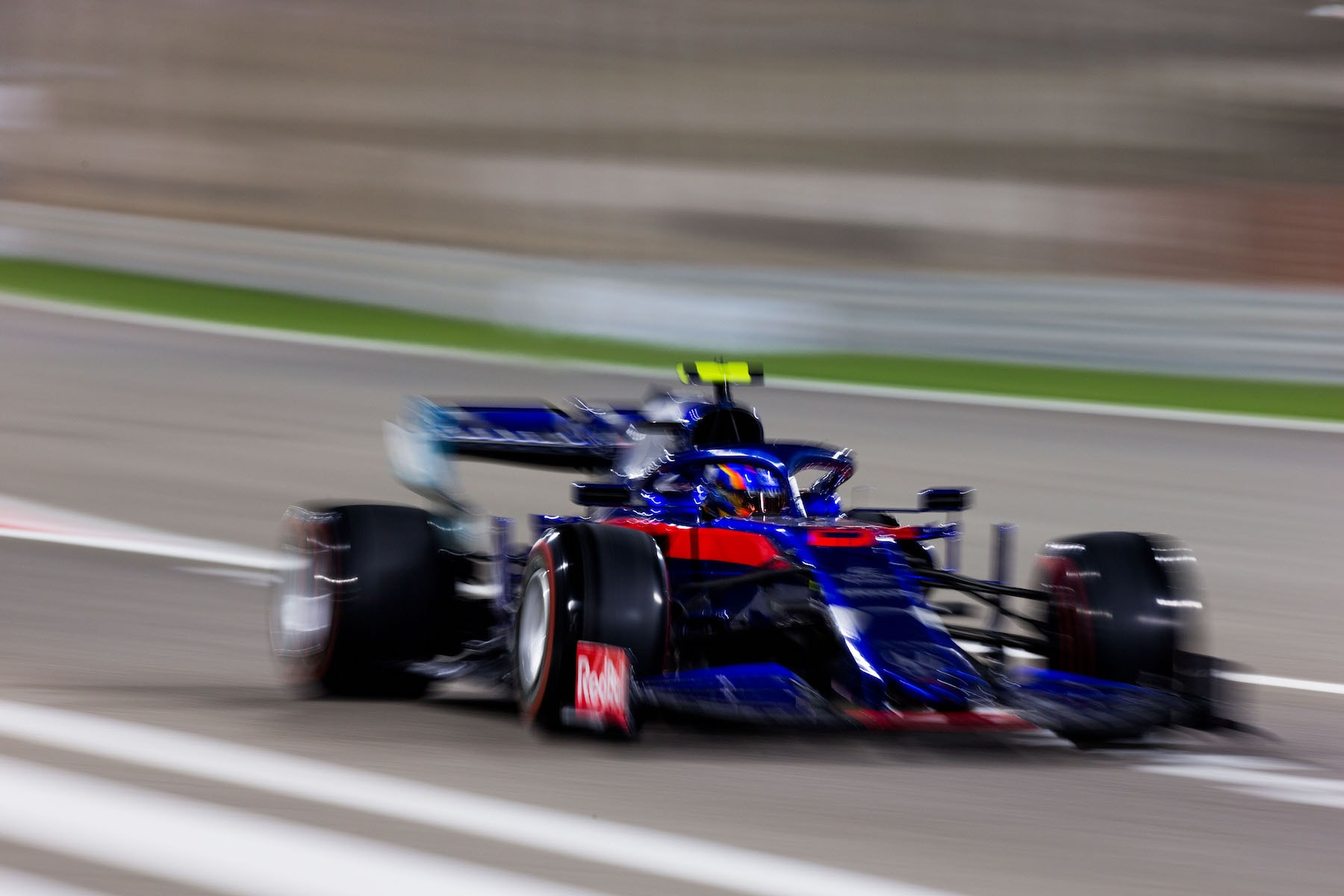 2 1 2 2019 Alex Albon | Toro Rosso STR14 | 2019 Bahrain GP 1 copy.jpg