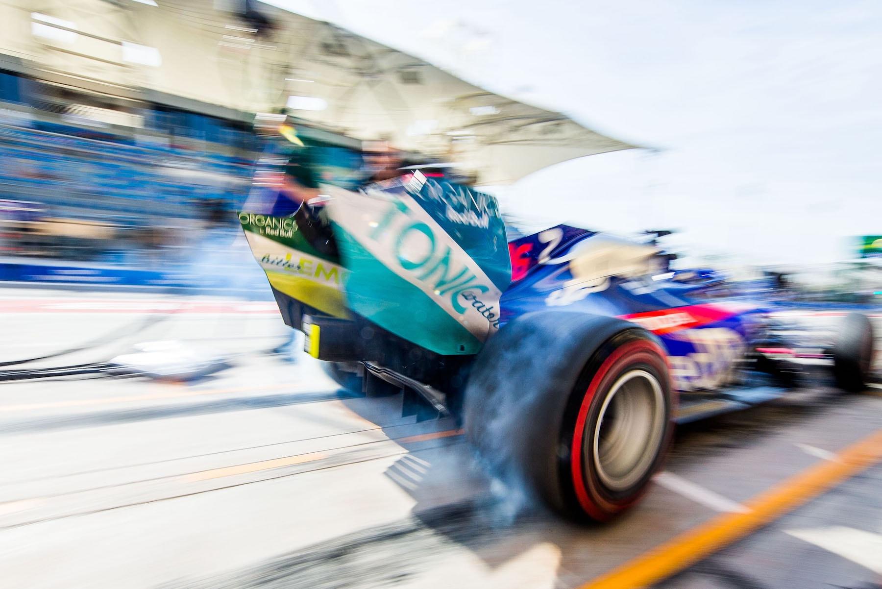 2 5 6 2019 Daniil Kvyat | Toro Rosso STR14 | 2019 Bahrain GP 1 copy.jpg