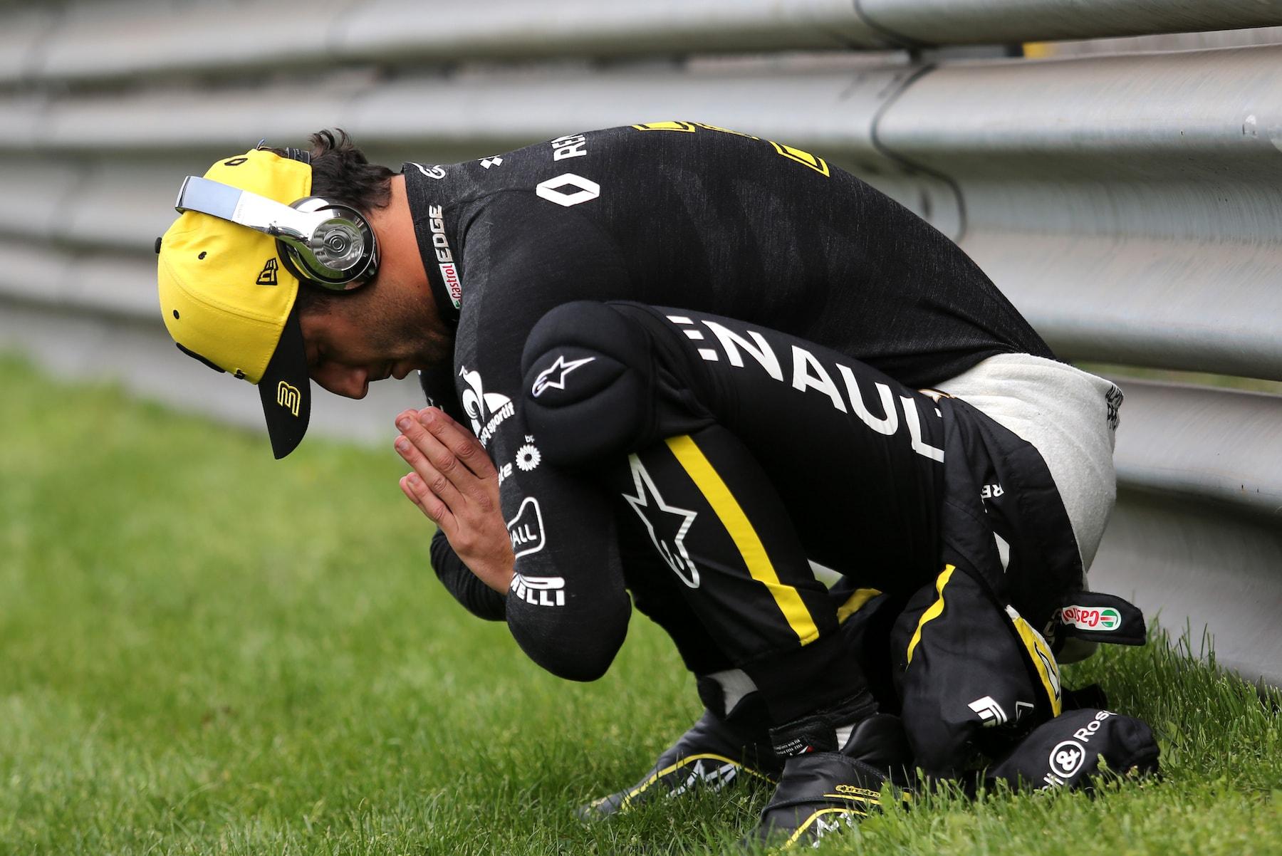 3 2019 Daniel Ricciardo | Renault RS19 | 2019 Chinese GP 1 copy.jpg