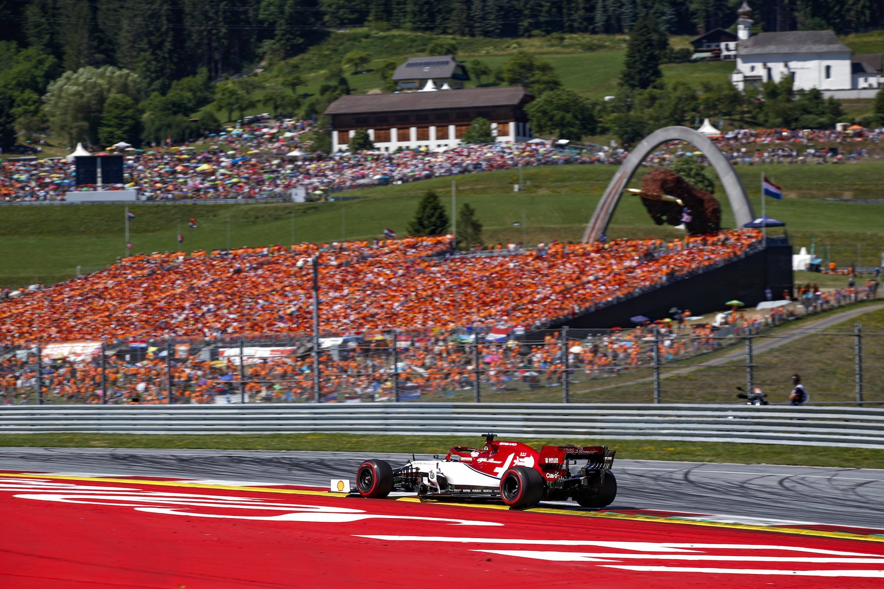 G 5 2019 Austrian GP Sunday 21.jpg