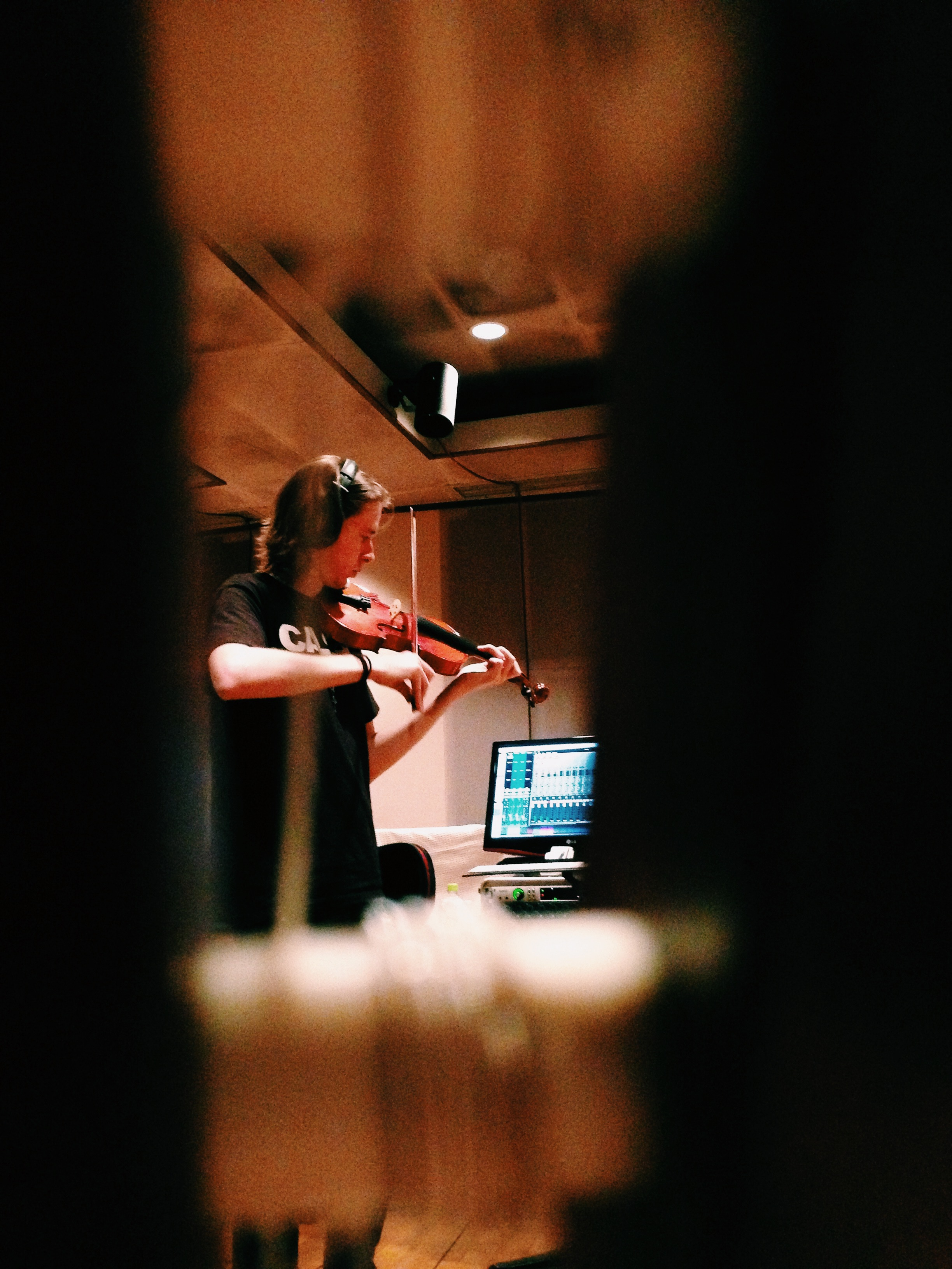 About-Page_Violin-Studio_Jon-Levy.jpg