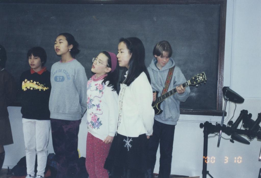02_Jon-Levy_Memory-Lane_Yamaha-SG-Choir.jpg