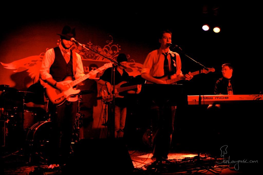 Boston_Church_2008_20_Alvaro_Bryan_Jon_Josh.jpg