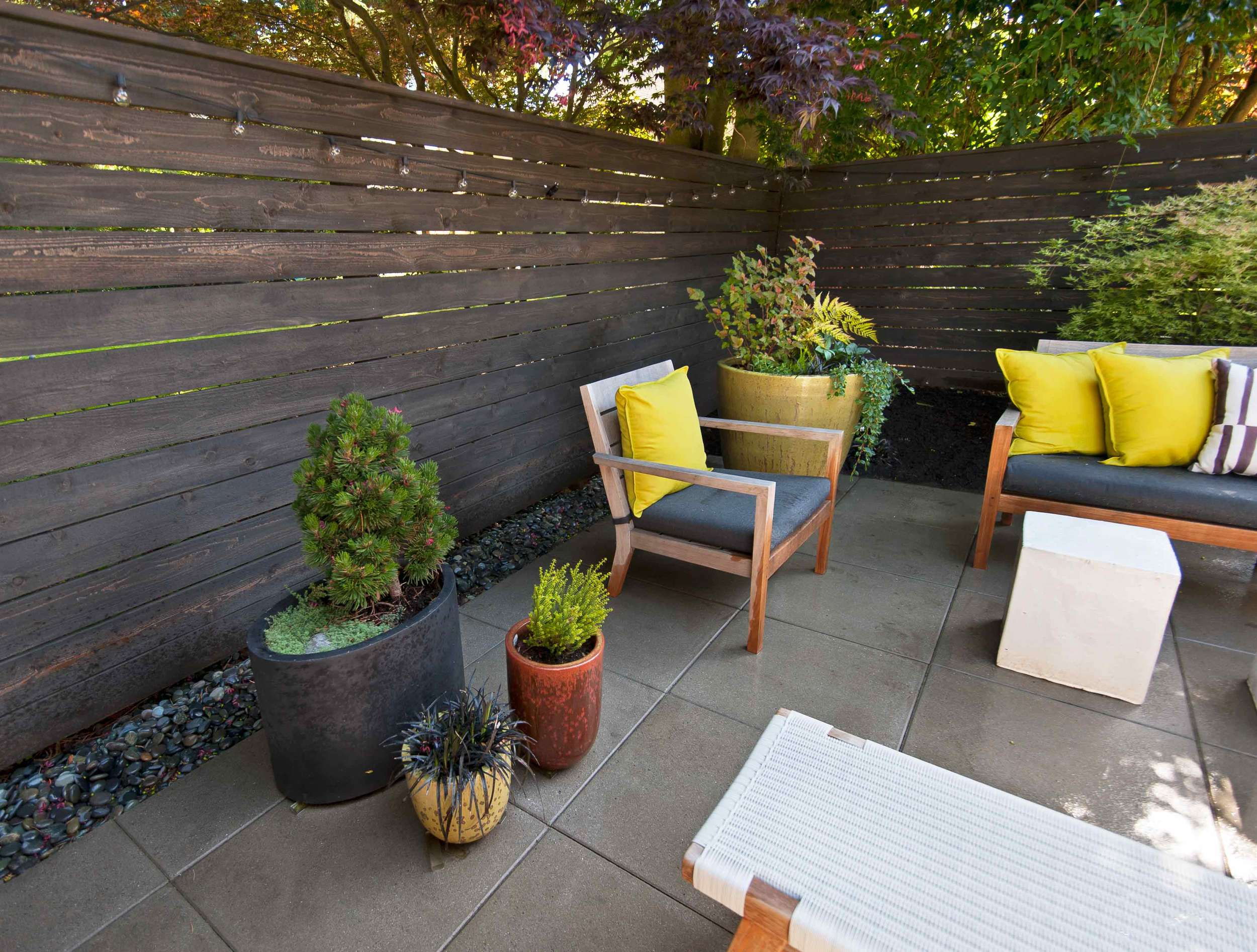 chair-&-plantersSMART.jpg